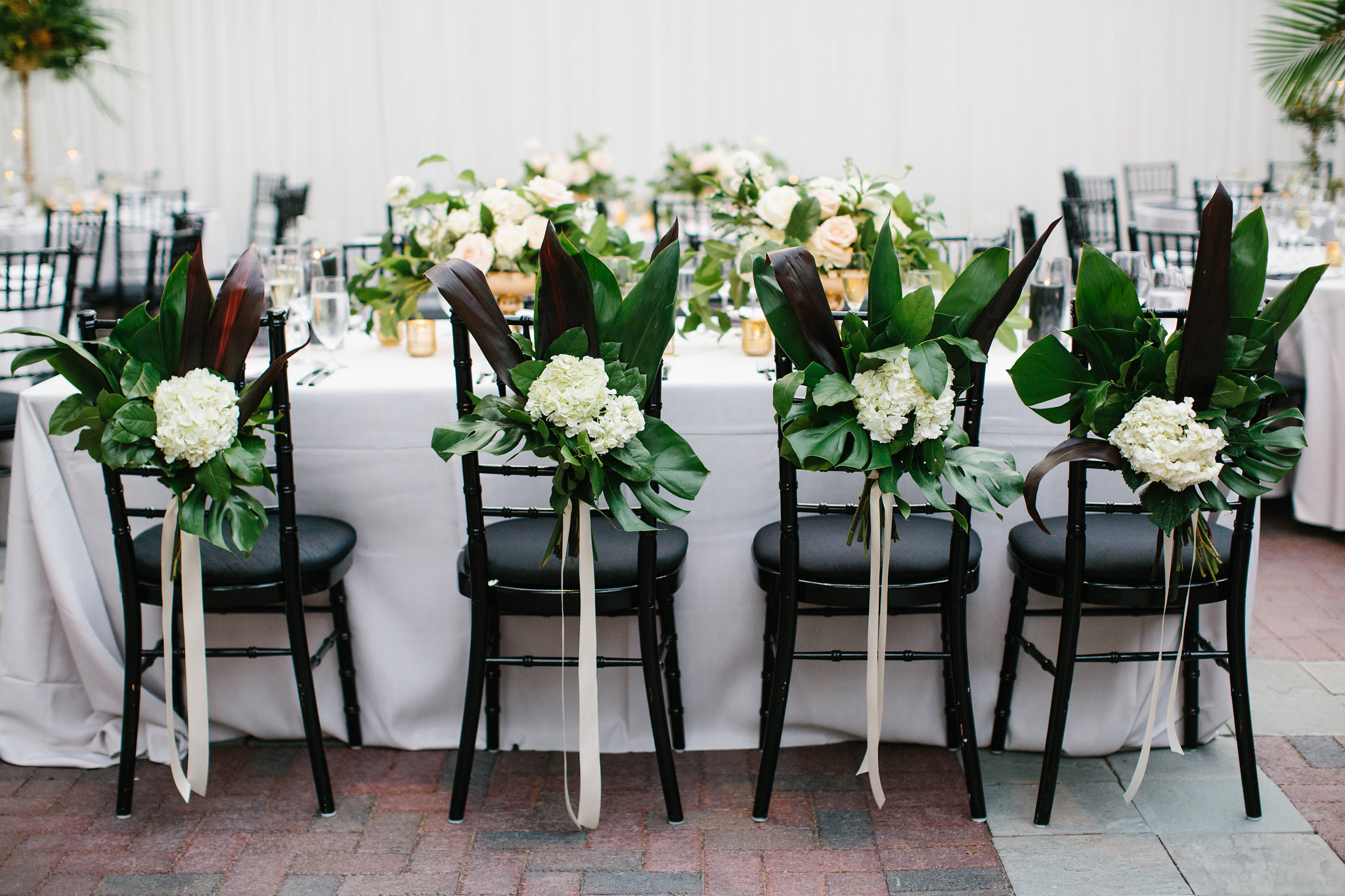 Wedding flowers by Fleur Inc at Chicago Illuminating Company.  Planning by LK Events, Images by Katie Kett Photography.