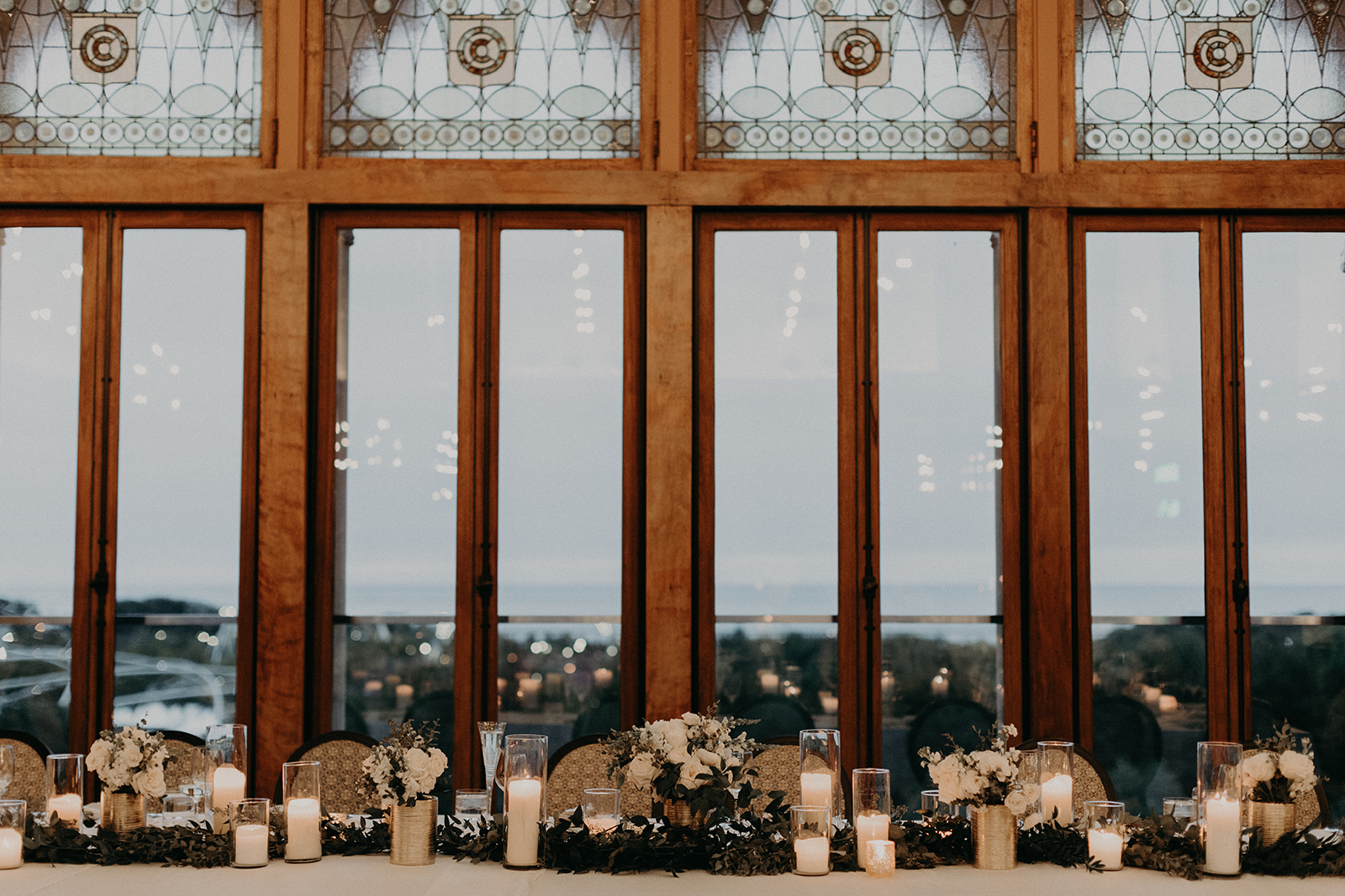 Floral by Fleur Inc, Photography by Alisha Tova, Venue Chicago Athletic Association