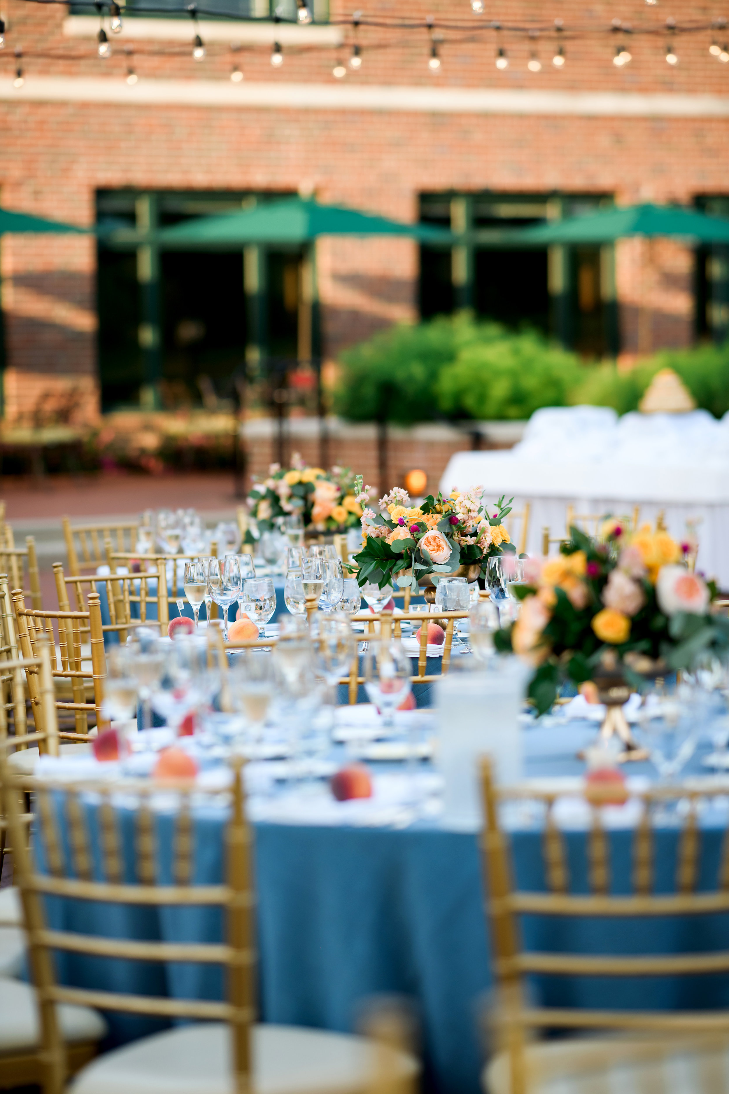 Floral by Fleur Inc, Image by Julia Franzosa Photography, Planning by Estera Events