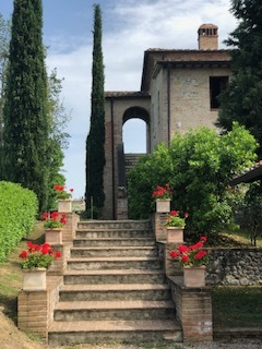 A Tuscan Gathering ~ Flowering in Italy with Kelly Marie Thompson of Fleur