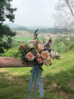 A Tuscan Gathering, Flowering in Italy with Kelly Marie Thompson of Fleur.