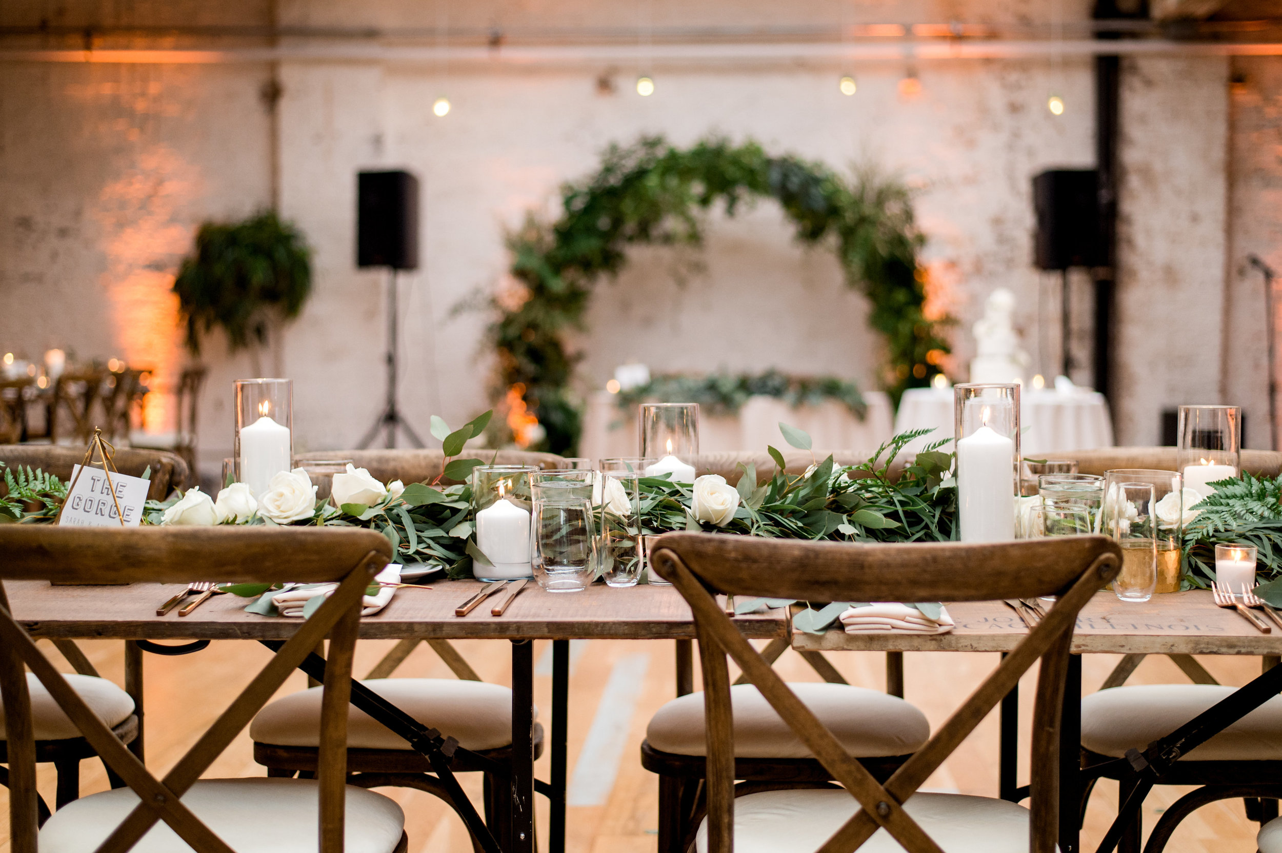 Floral by Fleur Inc, Planning by Estera Events, Photo by Julia Franzosa Photography, Location The Joinery