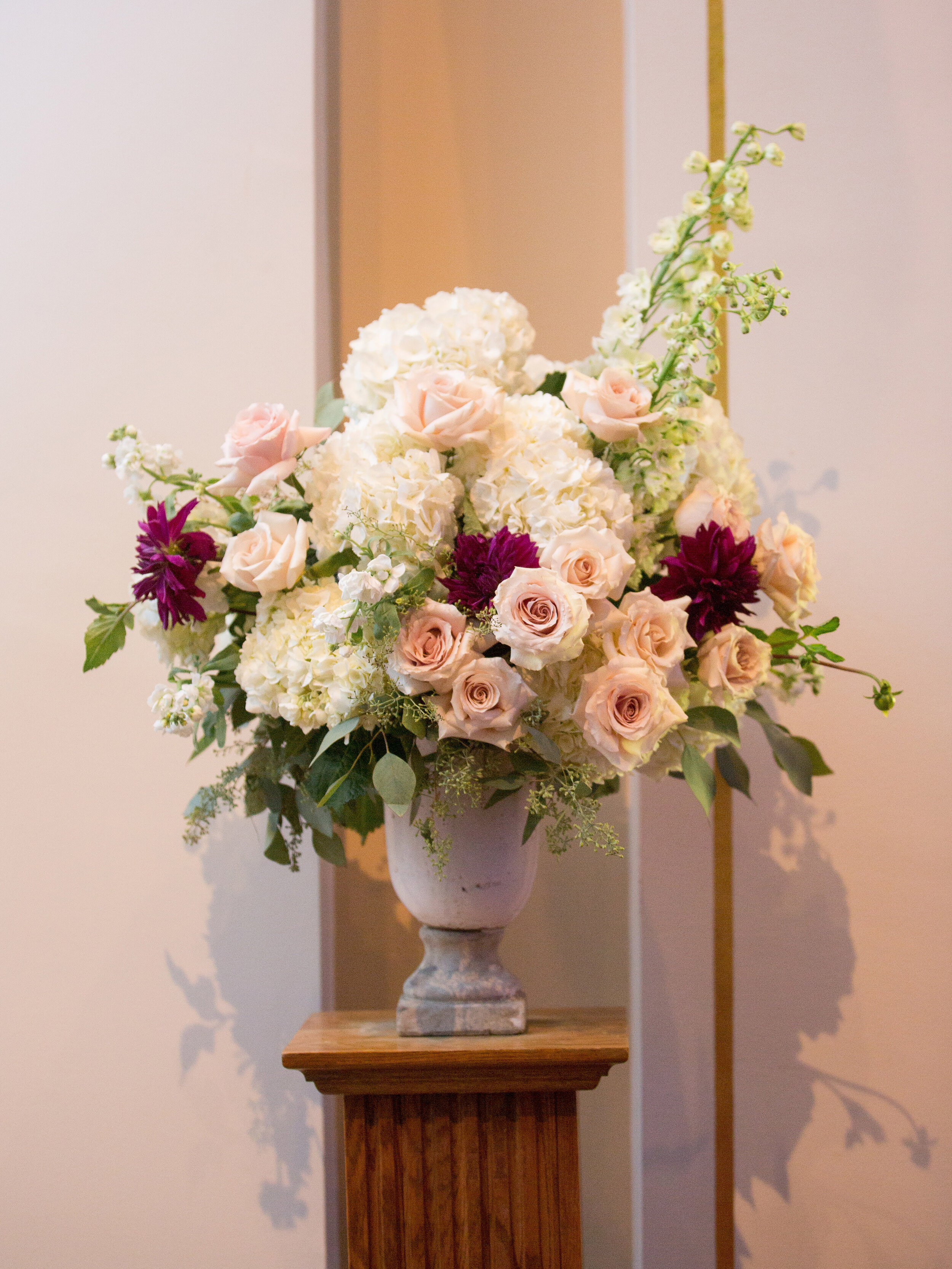 Flowers by Fleur Inc, Photo by Olivia Leigh Photographie, Planning by Estera Events, Ceremony Decor.