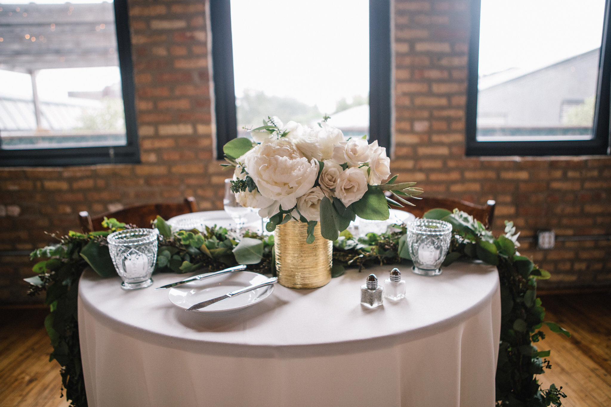 Flowers by Fleur, Photo by Stephanie Bassos Photography, Wedding at Ravenswood Event Center
