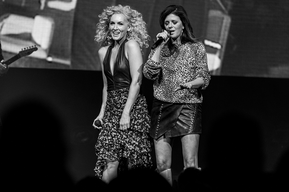 Kimberly Schlapman & Karen Fairchild - LITTLE BIG TOWN