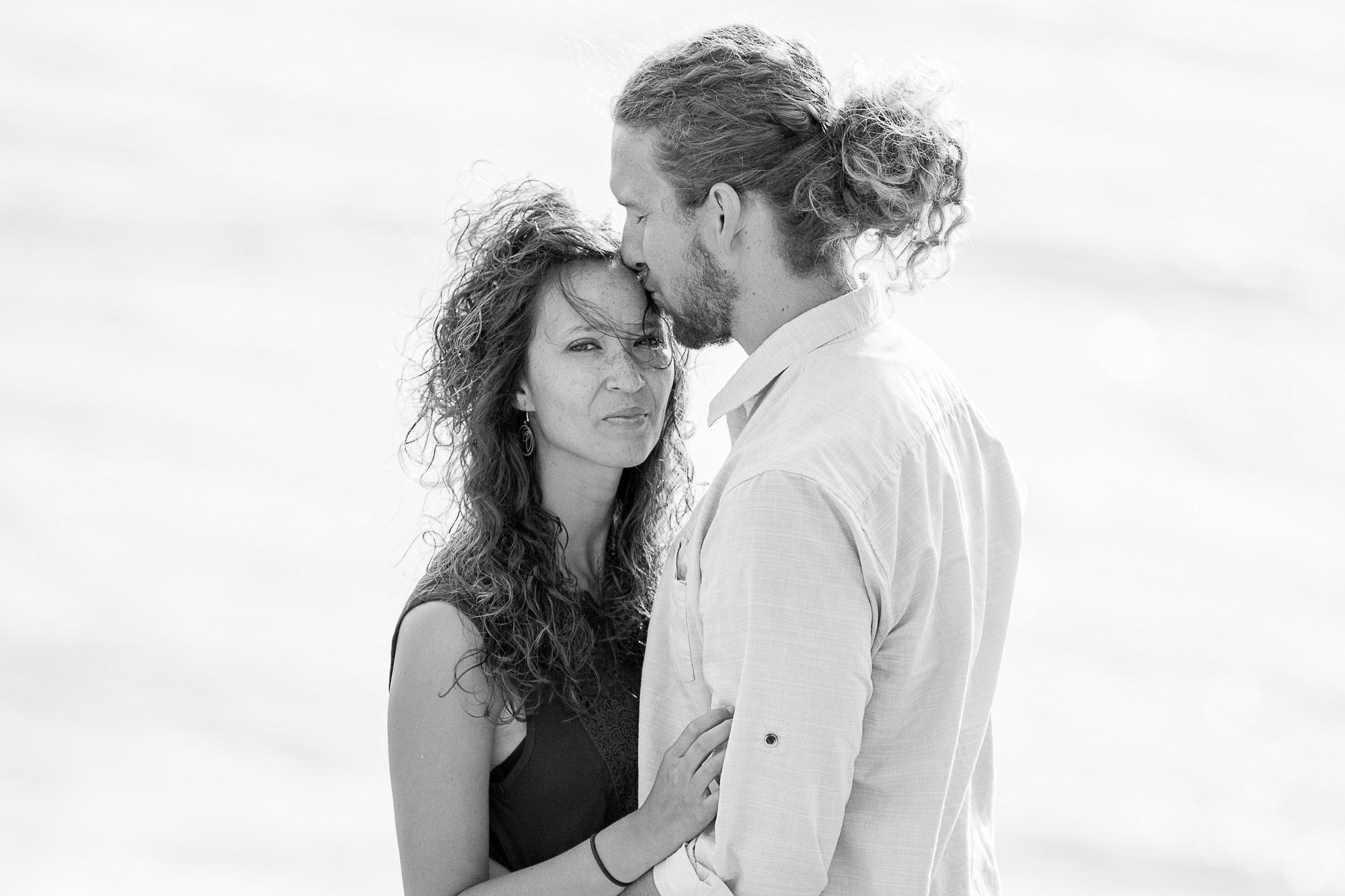 la-jolla-glider-point-torrey-pines-anniversary-session-true-loves-kiss-san-diego-photographer-sophia-elizabeth (35 of 181).jpg