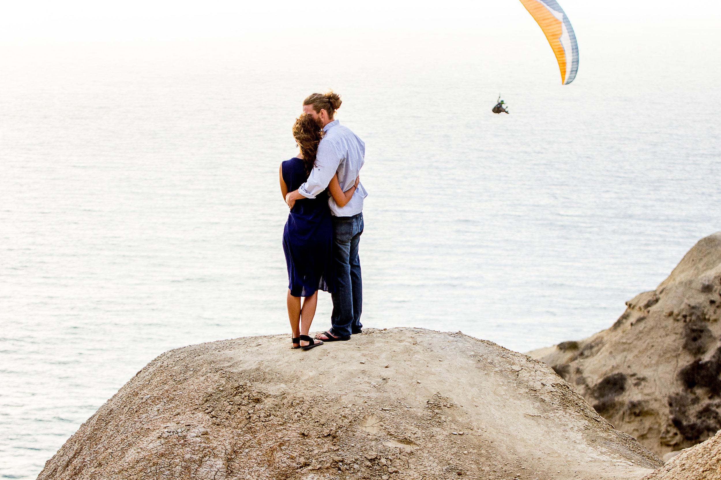 la-jolla-glider-point-torrey-pines-anniversary-session-true-loves-kiss-san-diego-photographer-sophia-elizabeth (118 of 181).jpg