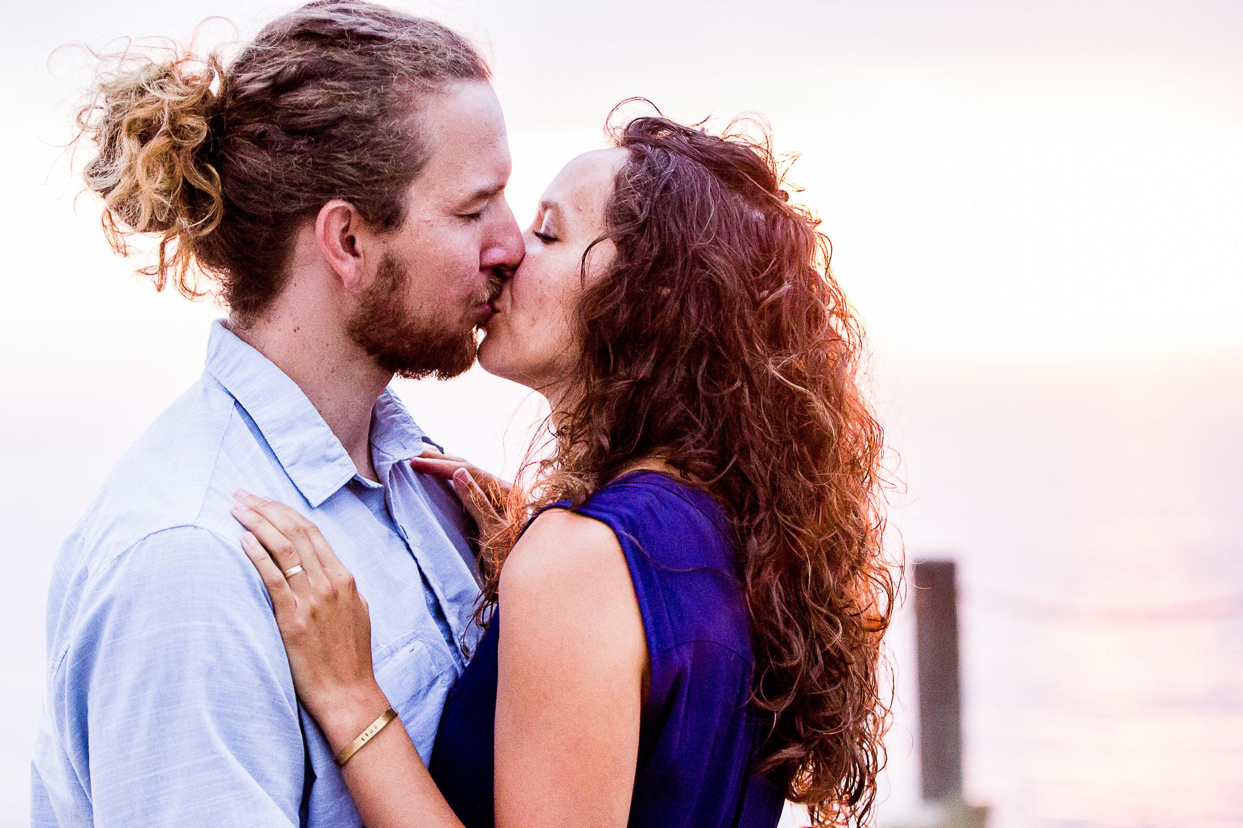la-jolla-glider-point-torrey-pines-anniversary-session-true-loves-kiss-san-diego-photographer-sophia-elizabeth (176 of 181).jpg
