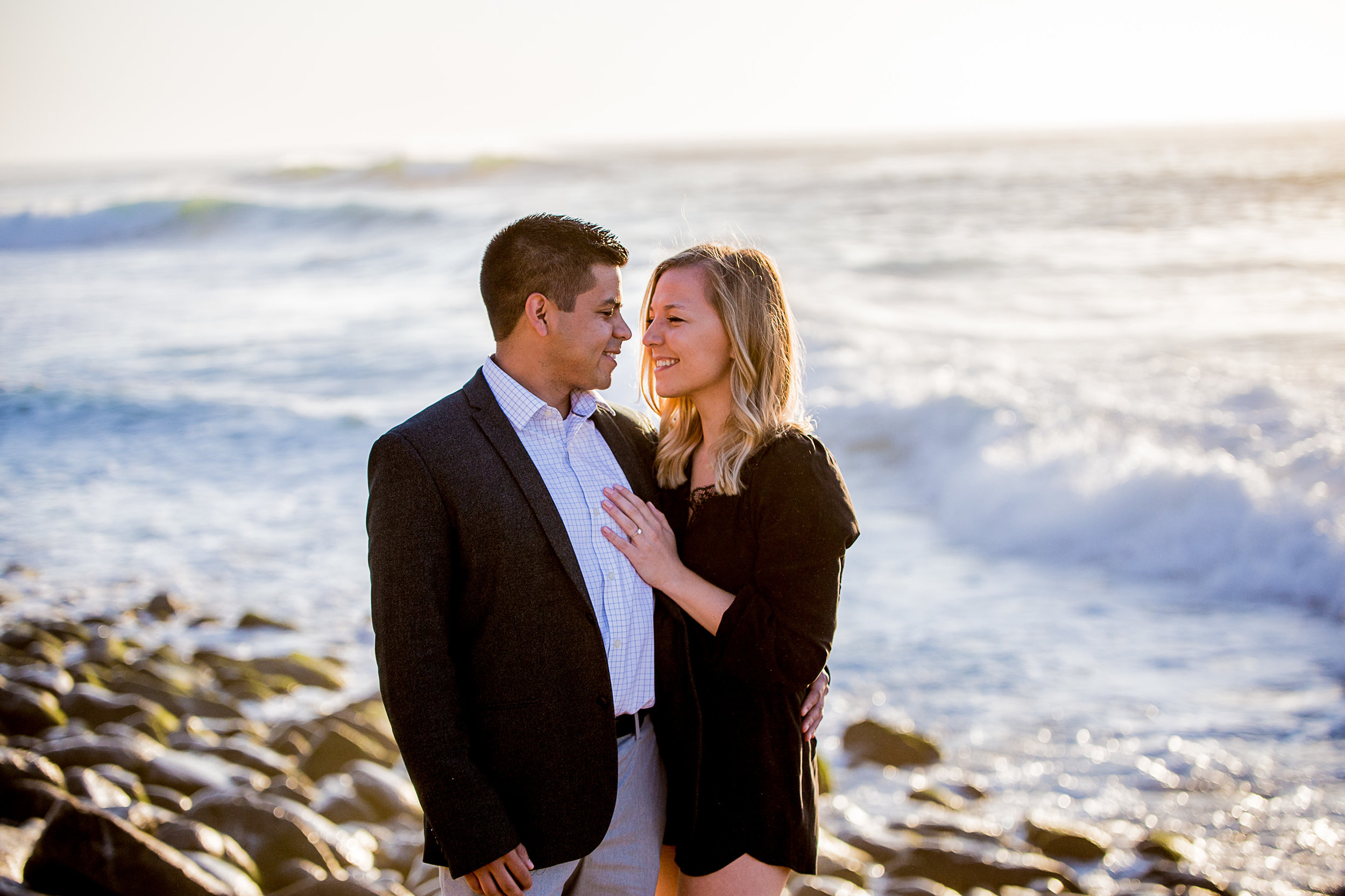La-jolla-cove-proposal-chicago-natives-san-diego-sunset-golden-hour-love-story-engaged-alligator-head (91 of 158).jpg
