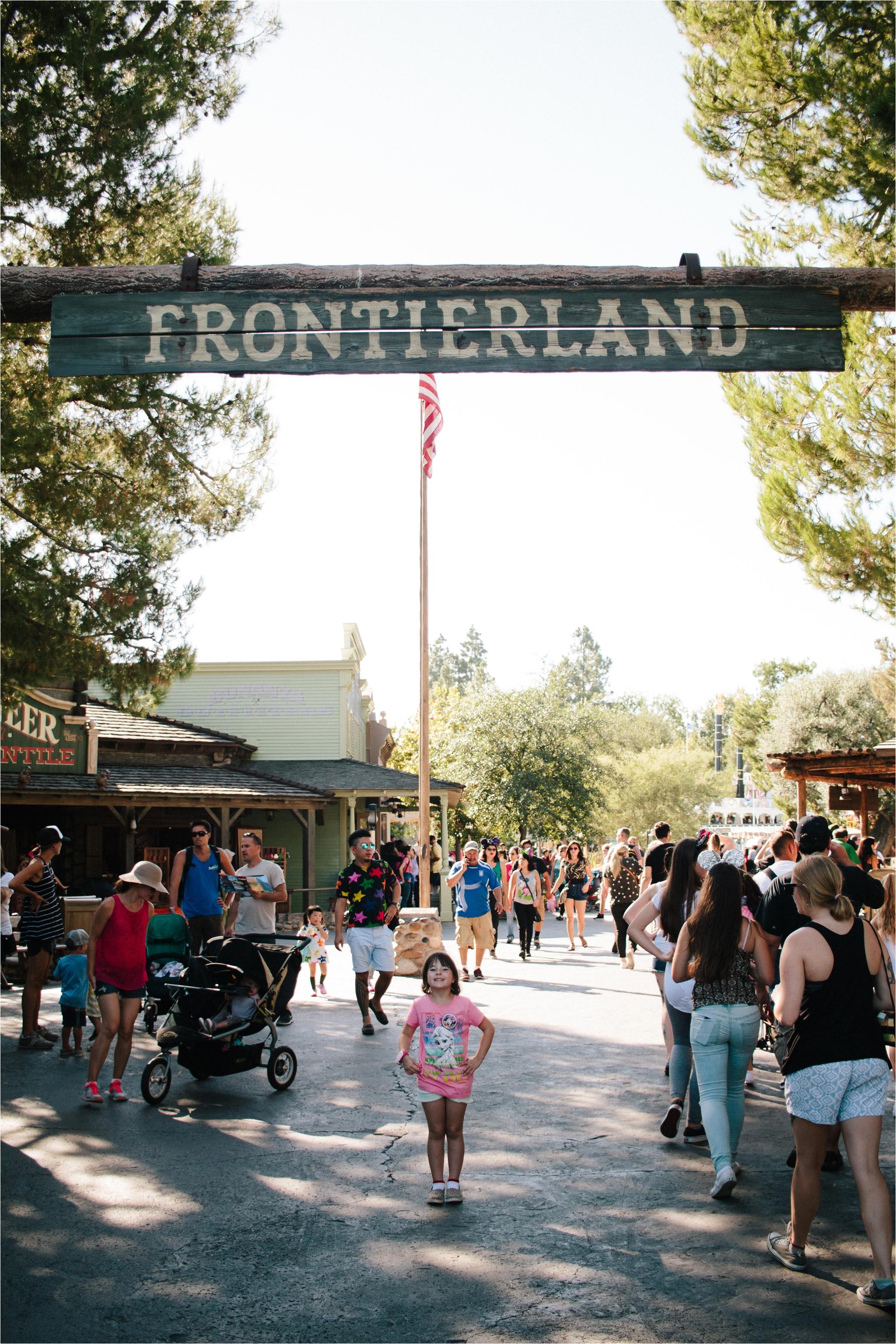 Disneylandroundtwopersonalimages_0027.jpg