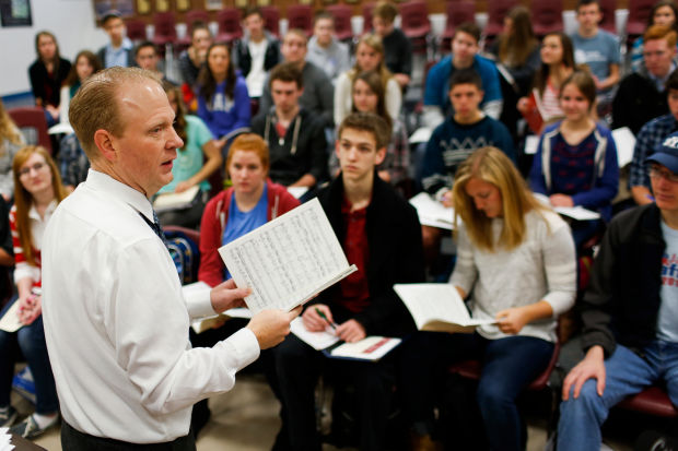 Choir Wins Bestor's High School Contest  (click here to read story)