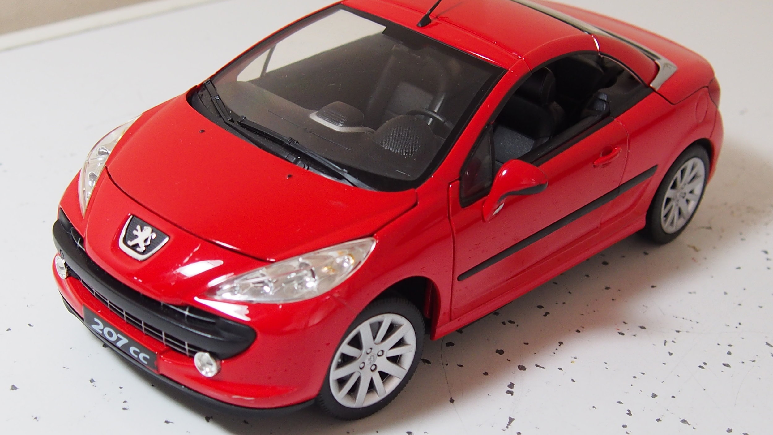 Peugeot 207 Cc For Spares Or Repairs 1 18 Scale By Welly Cs Diecast Tuning