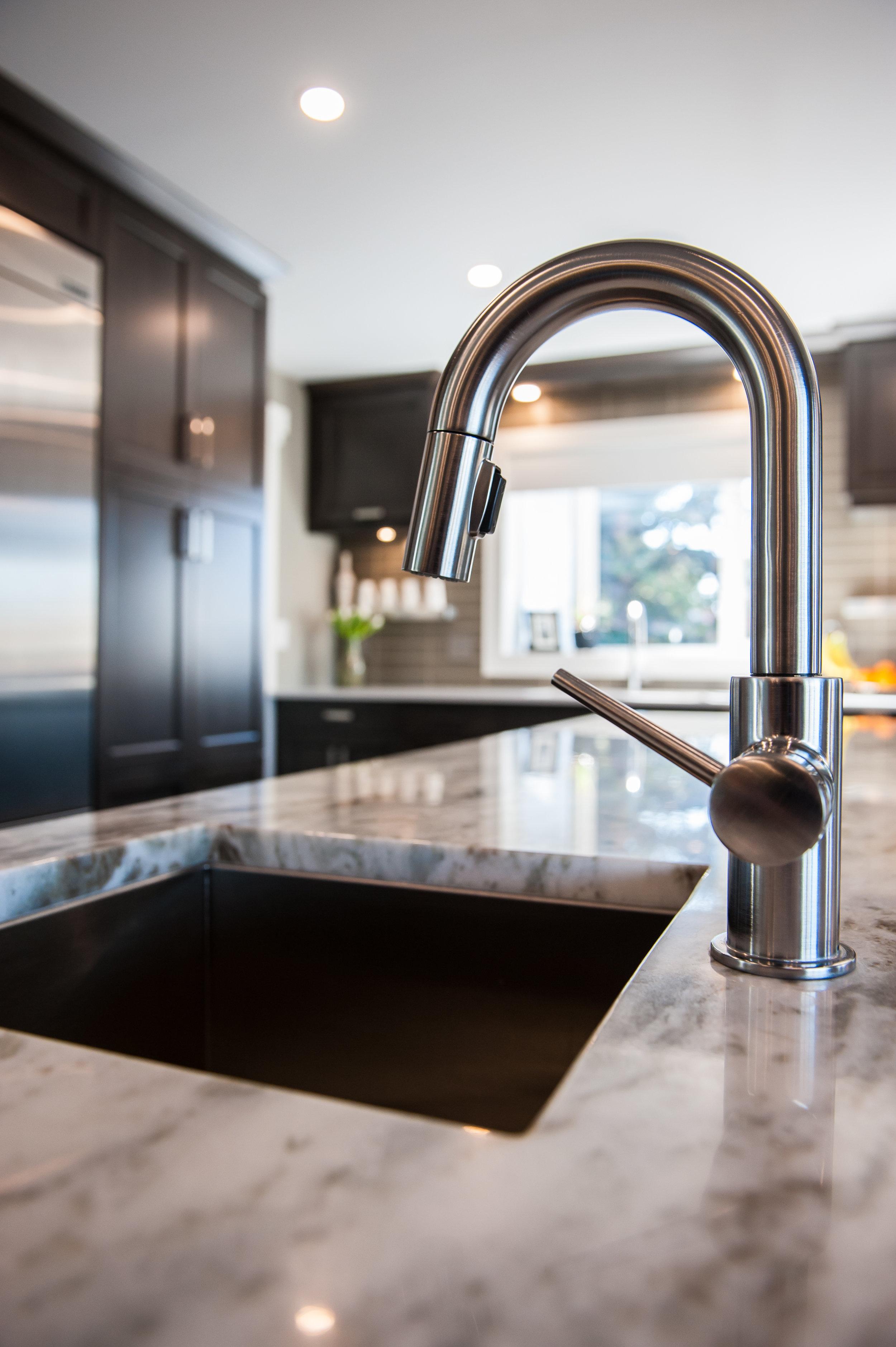 kitchen reno sink island