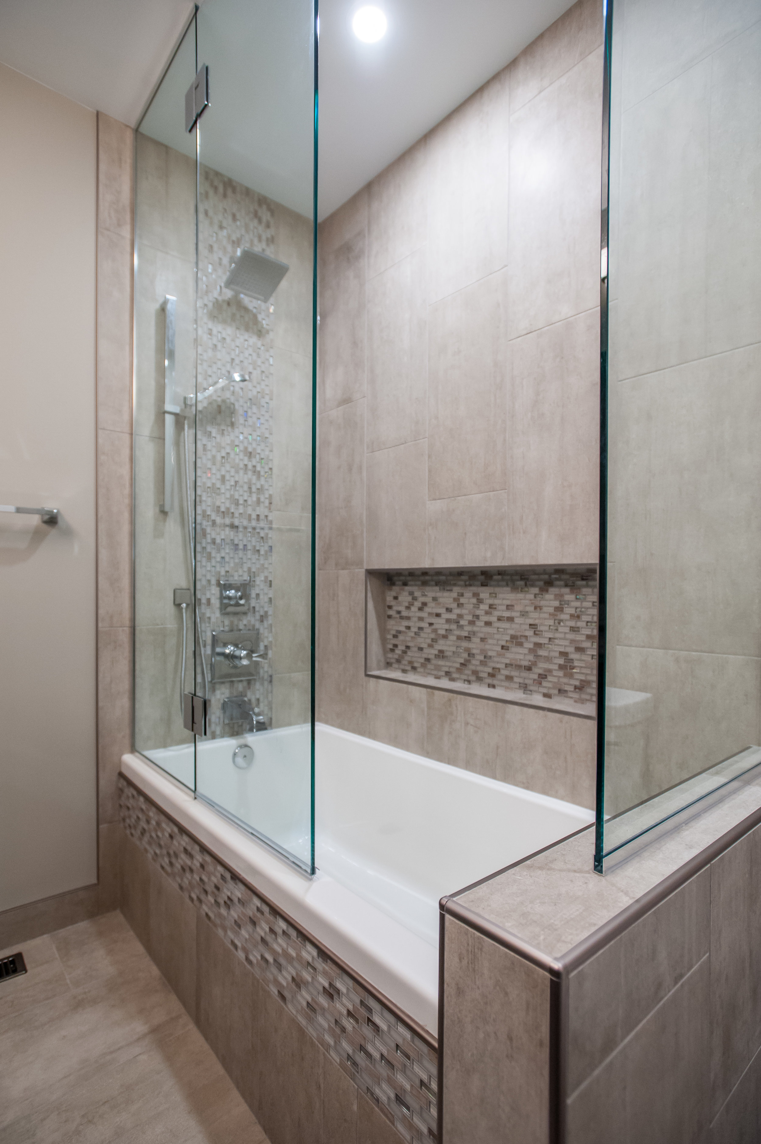 main bath tub shower