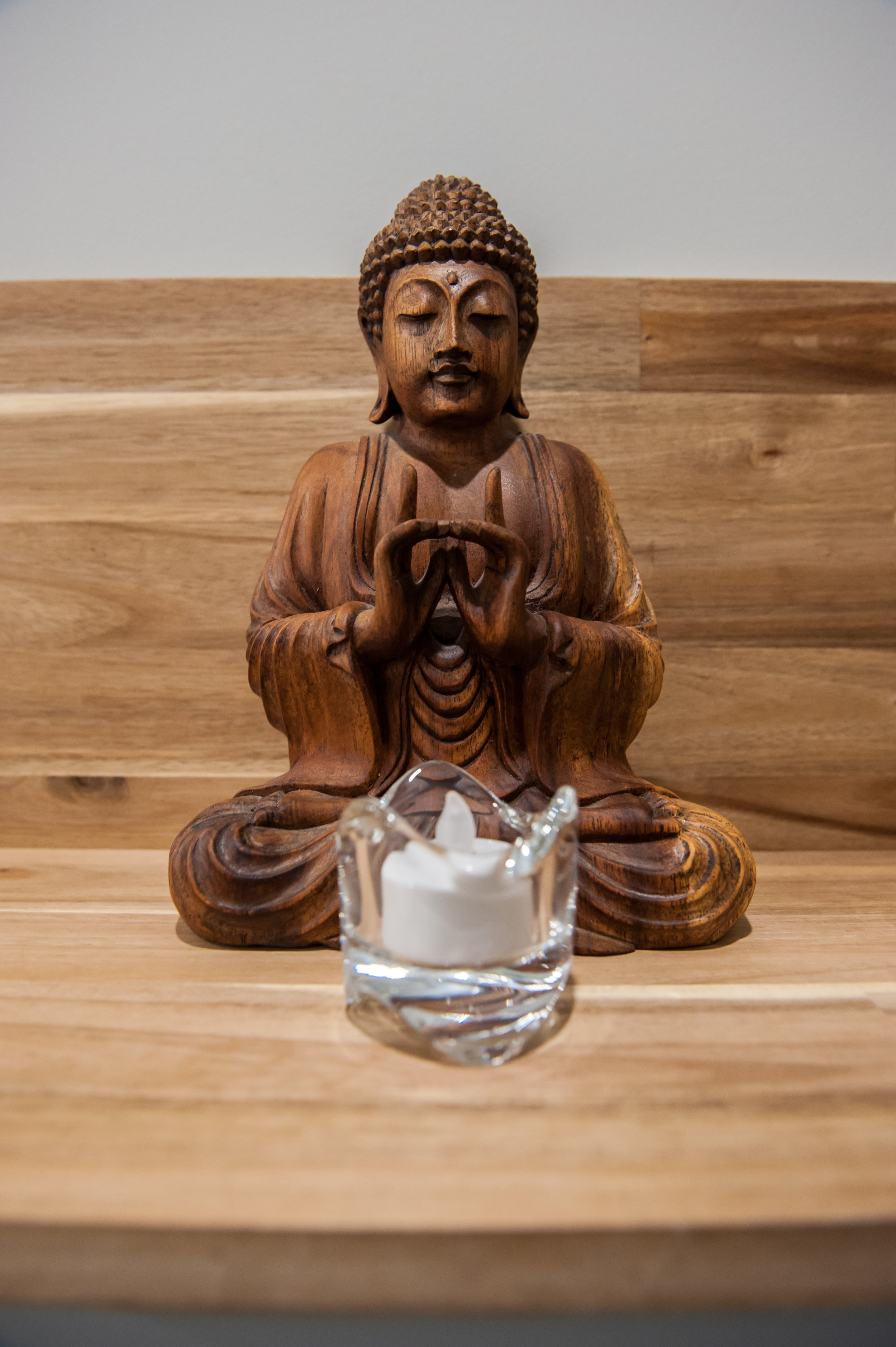 Walnut_Shelf_Buddha
