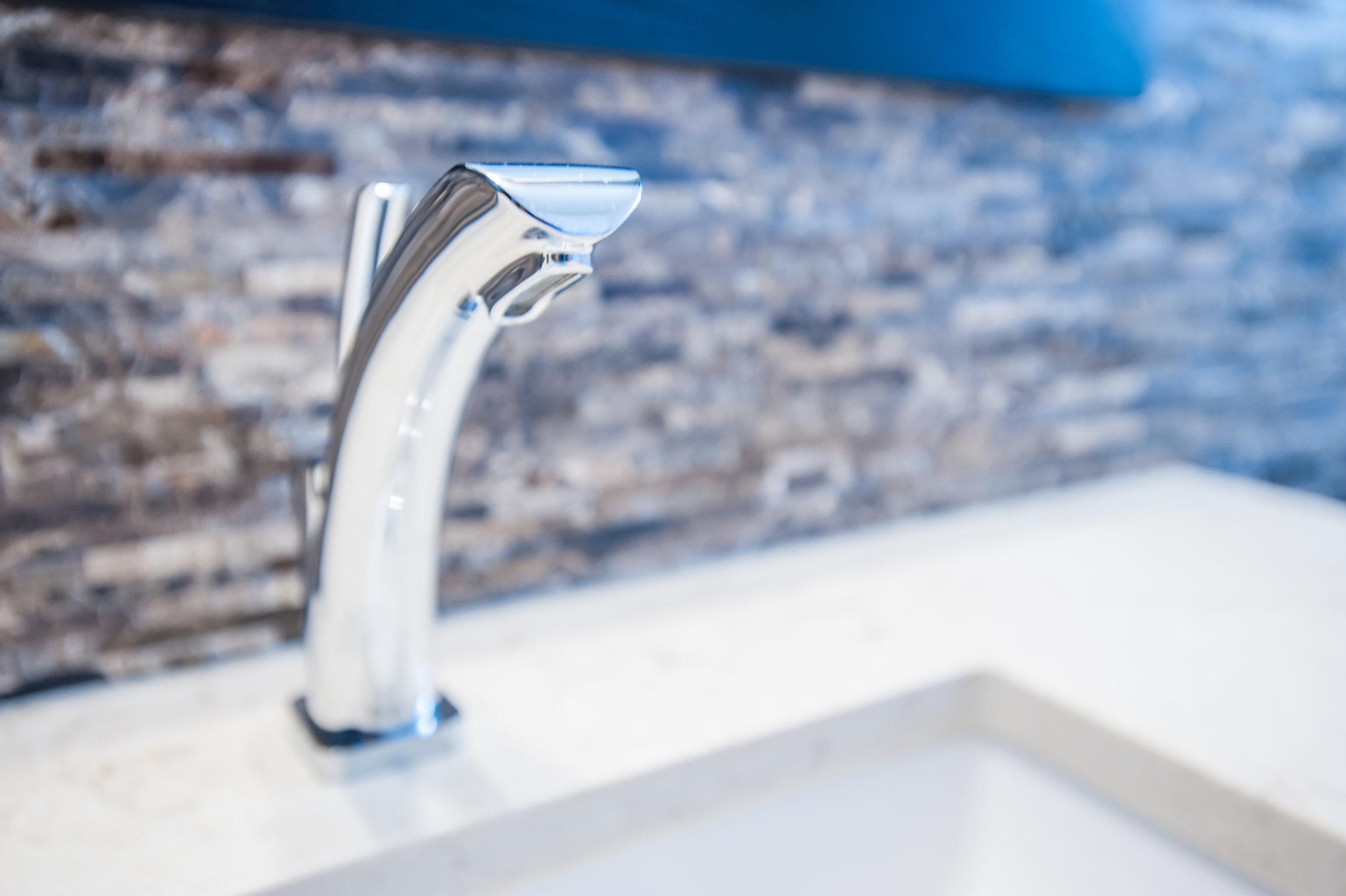 bath_faucet_main