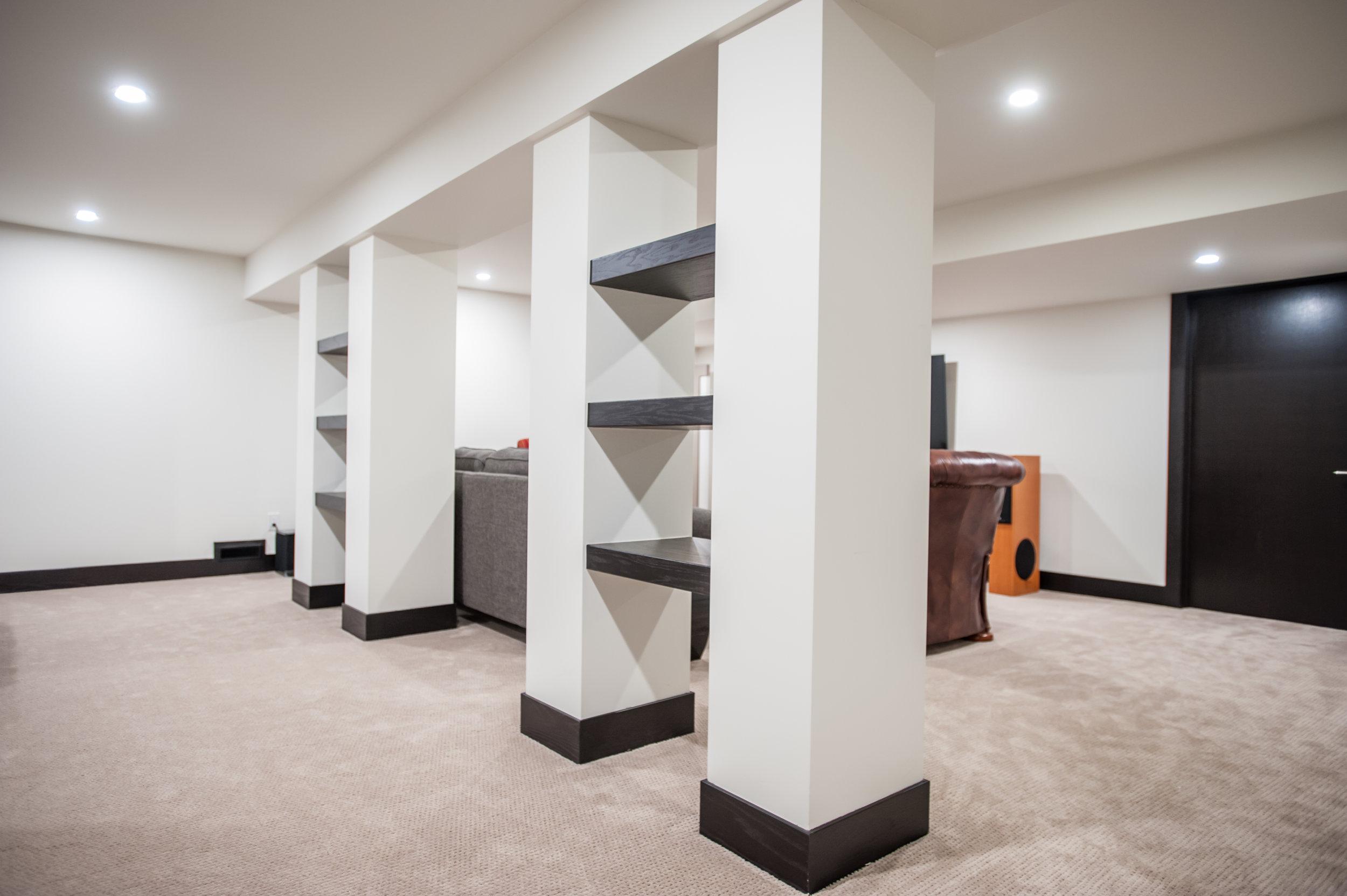 custom_shelving_pillars