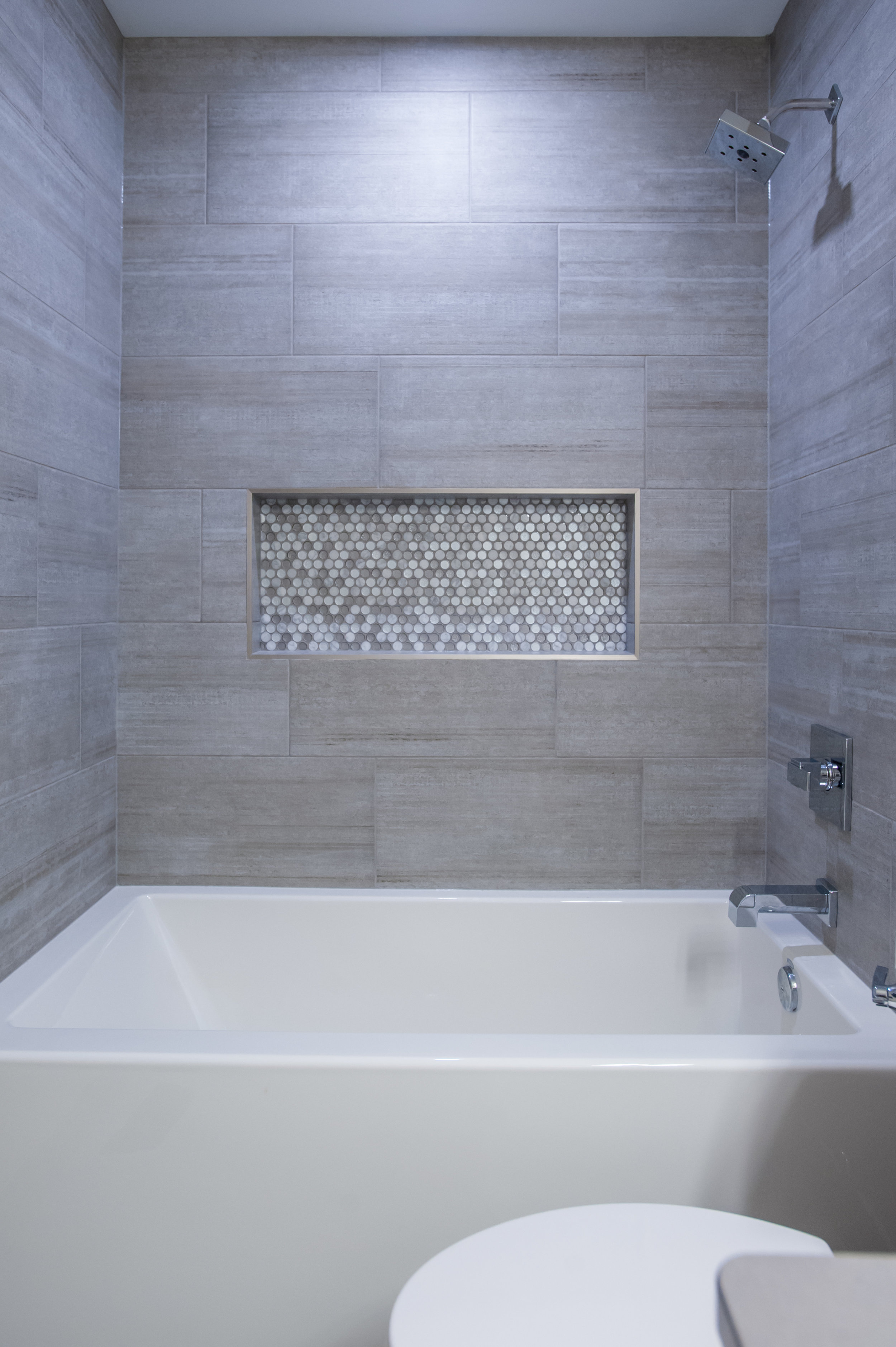 bath_surround_pennyround_tile