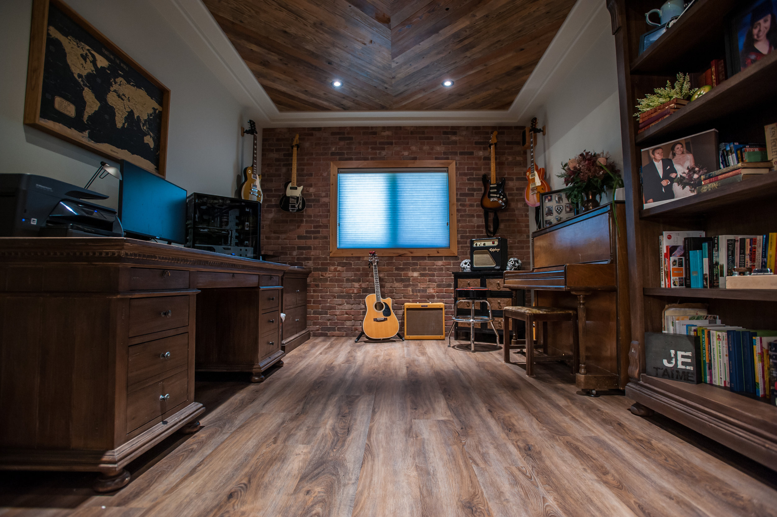 brickwall_office_herringbone-ceiling