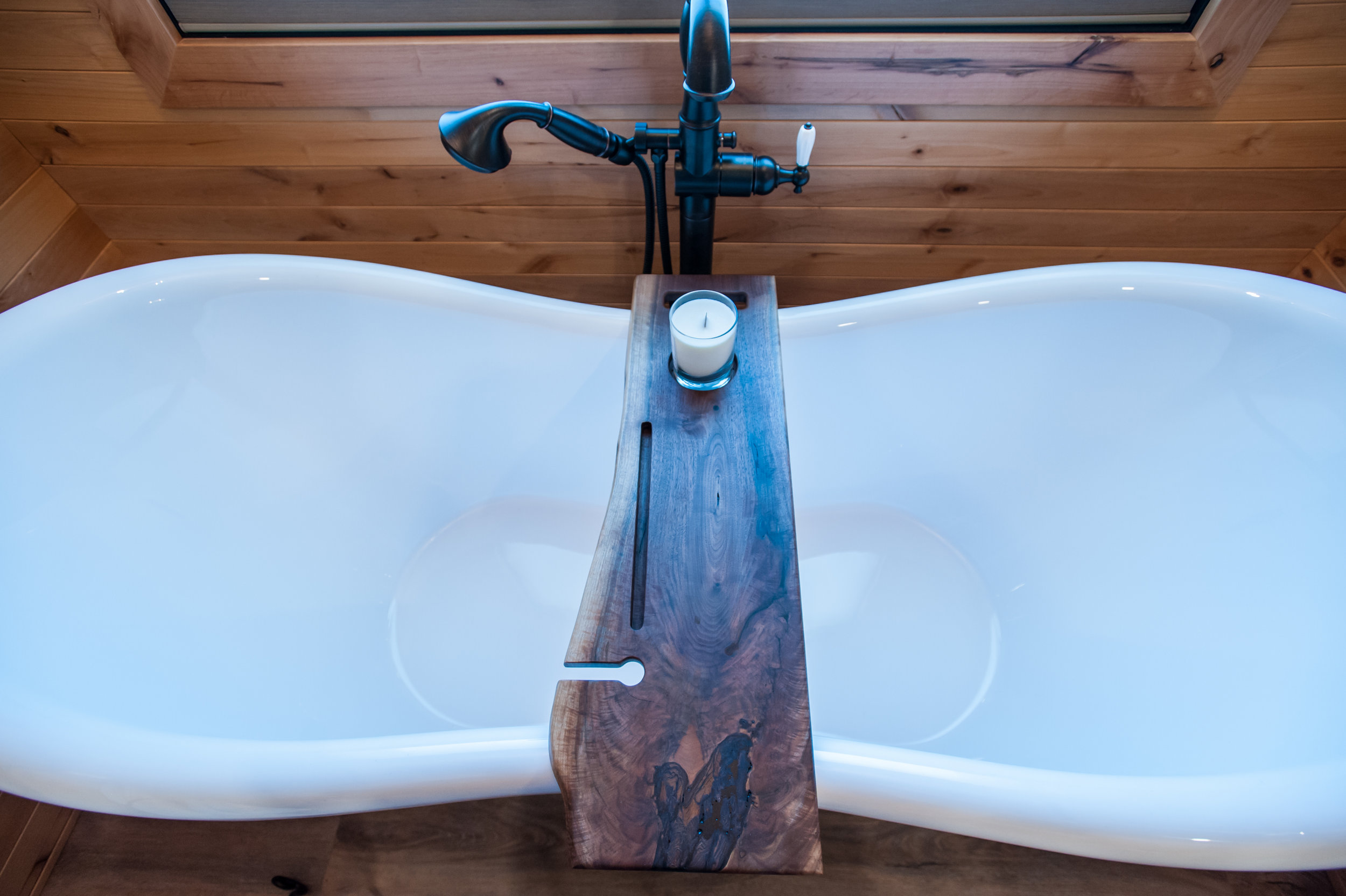 free_standing_tub_oil_rubbed_bronze