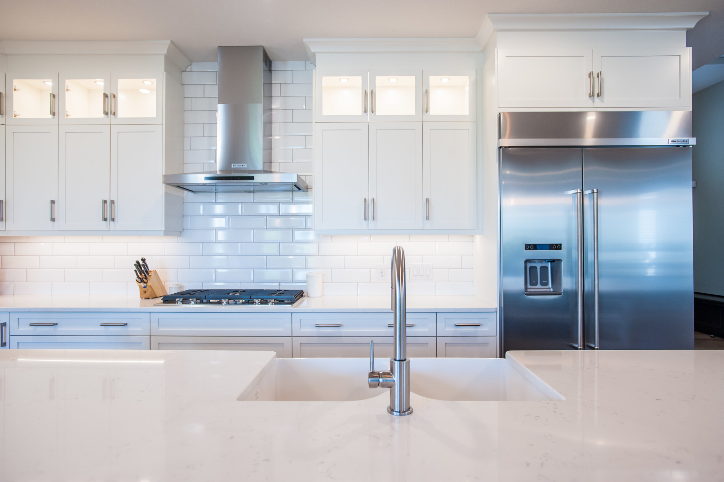 kitchen_reno_white_subway_tile