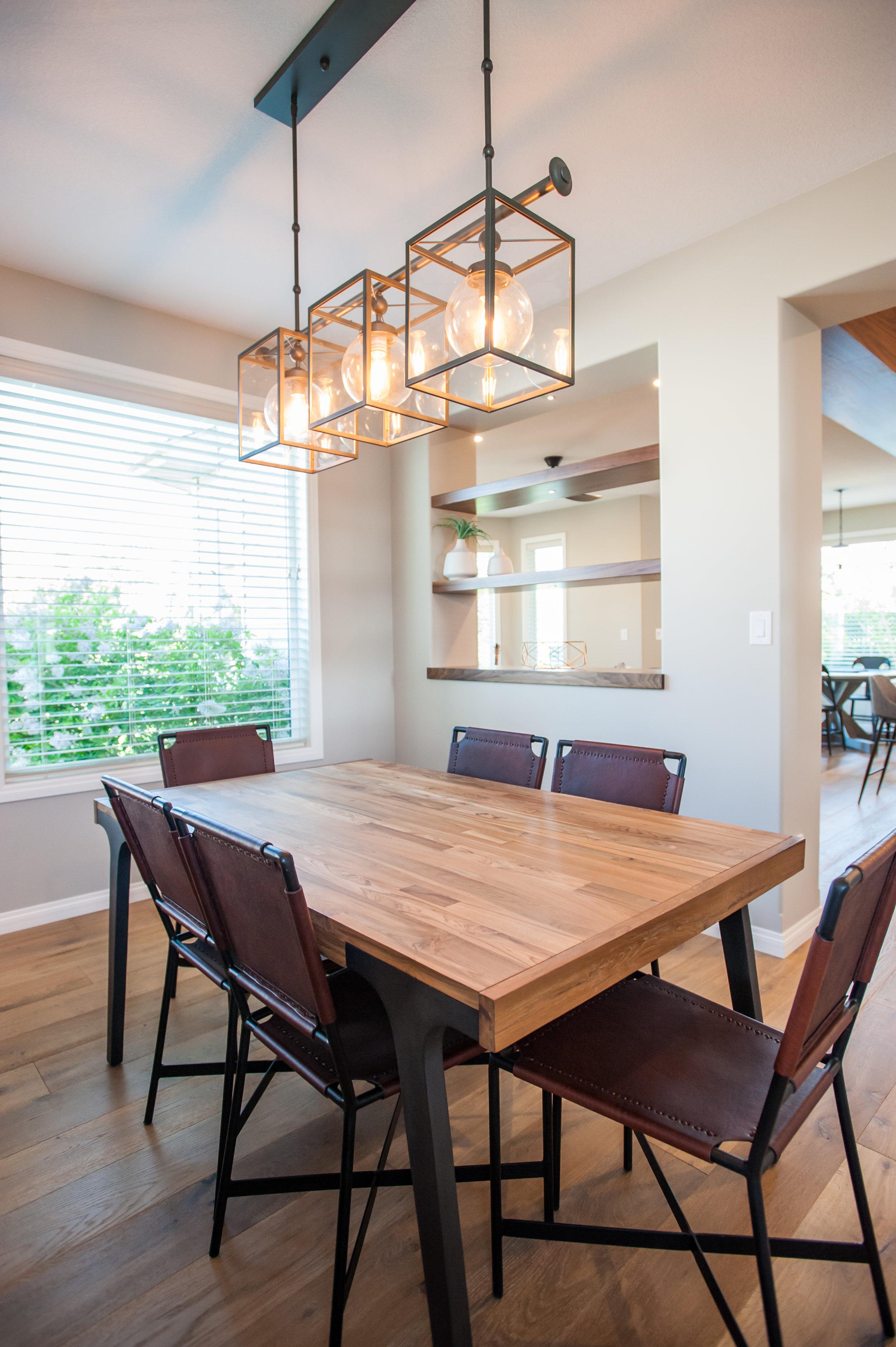 dining_room_open_shelves_walnut_lighting
