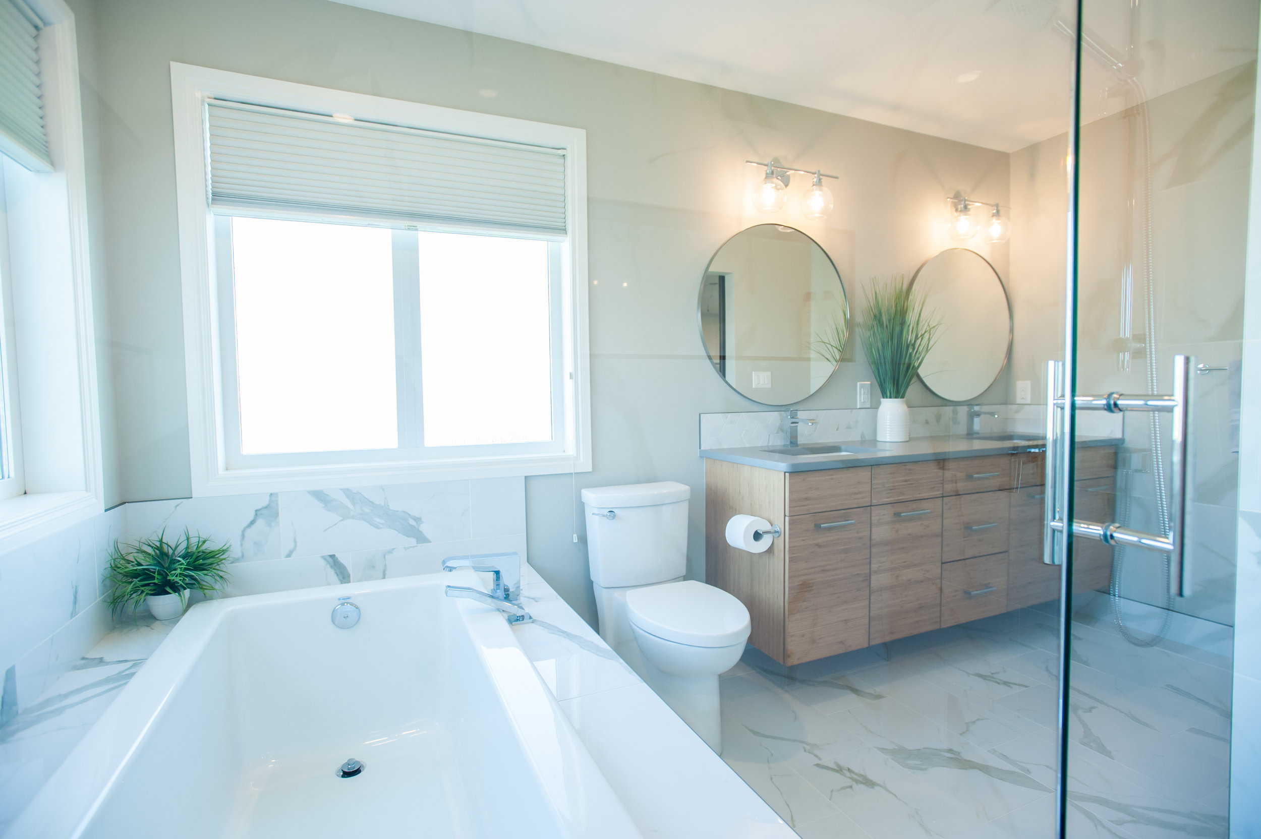 ensuite_renovation_bamboo_spa_white_marble