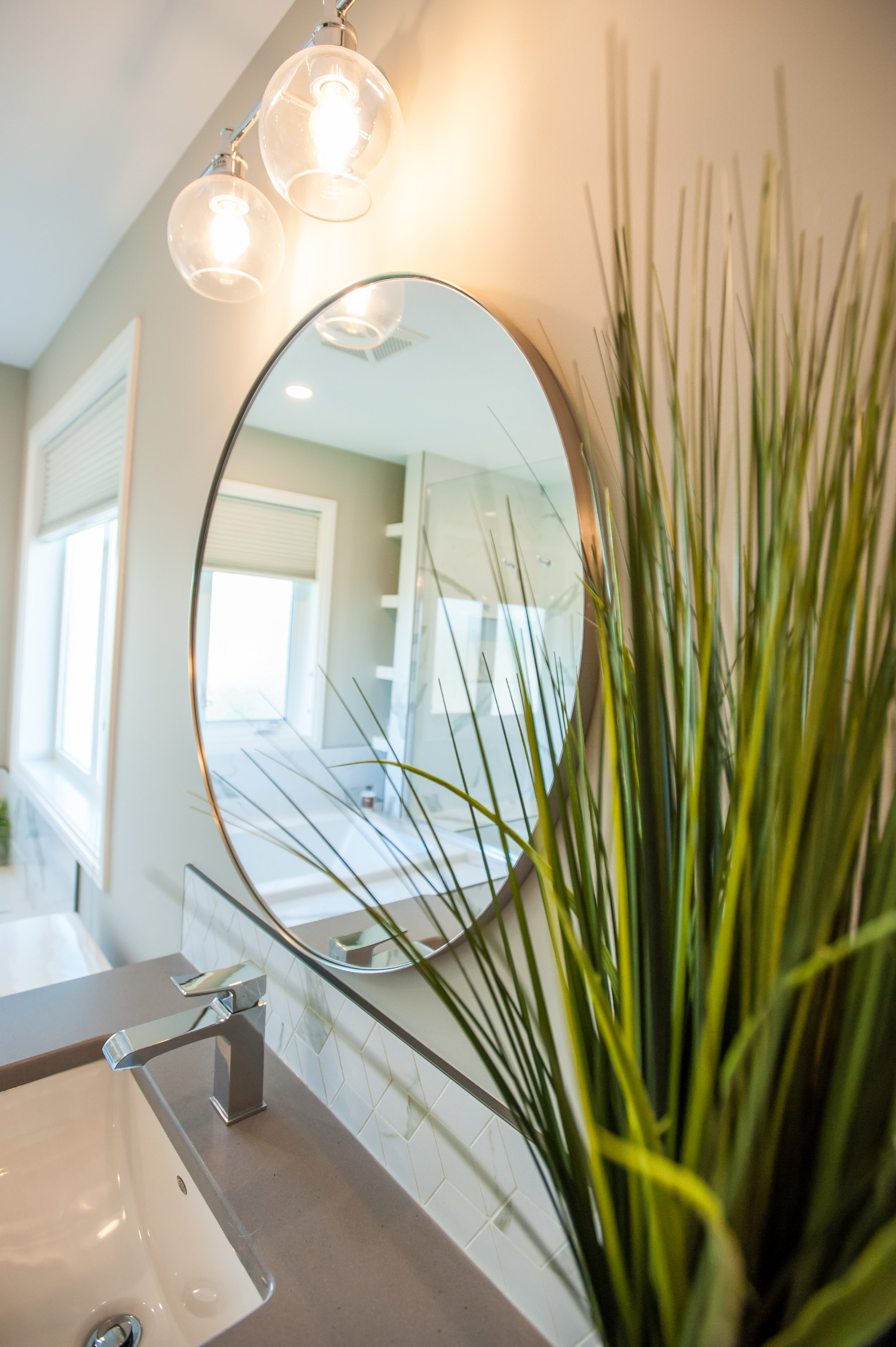 round_mirror_vanity_bath_reno_raw_concrete
