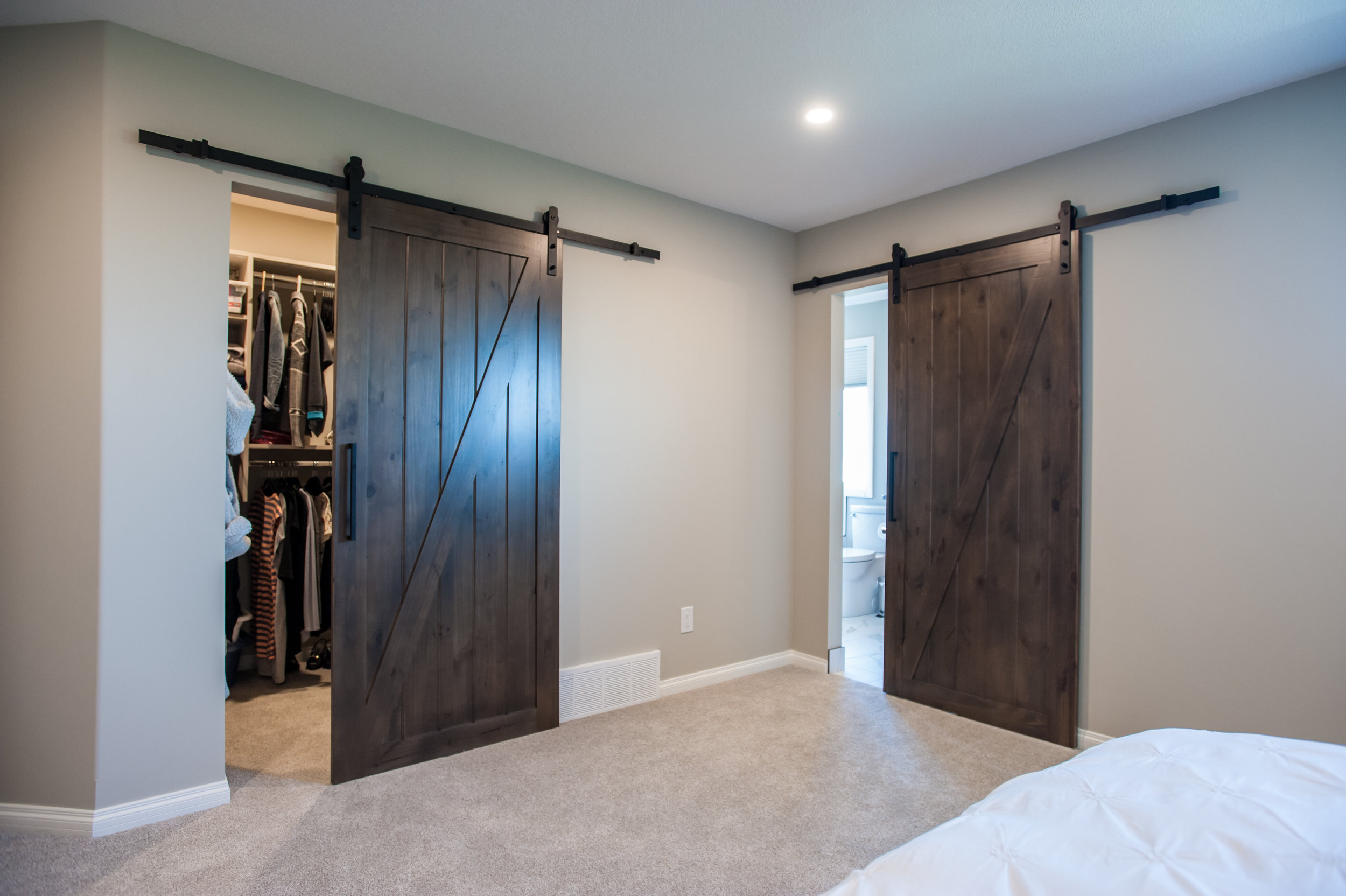 barn_doors_master_bedroom_sliding_wood_reclaimed
