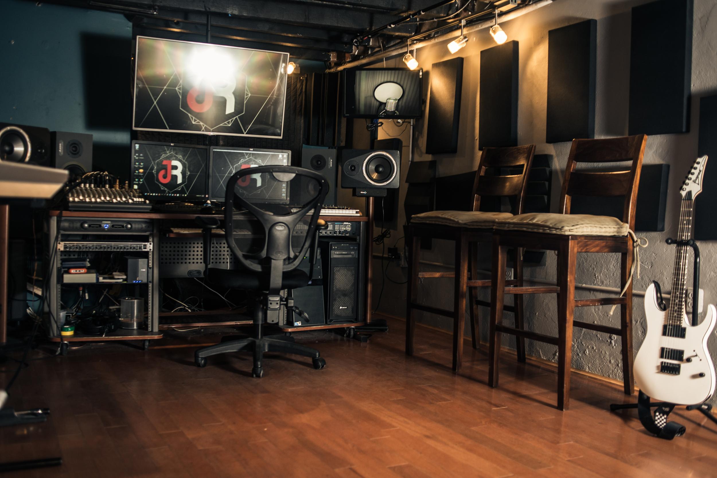 Jah rockn studio (1 of 1)-11.jpg