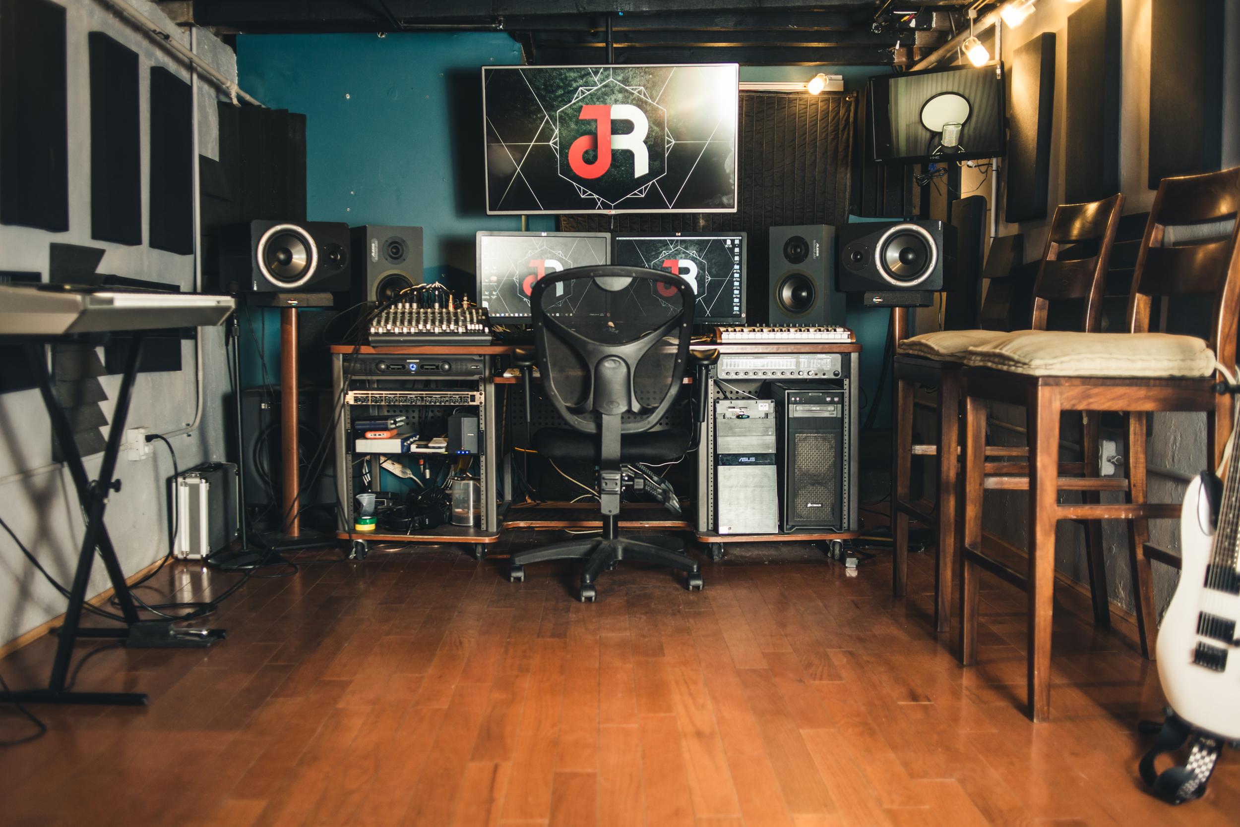 Jah rockn studio (1 of 1)-6.jpg