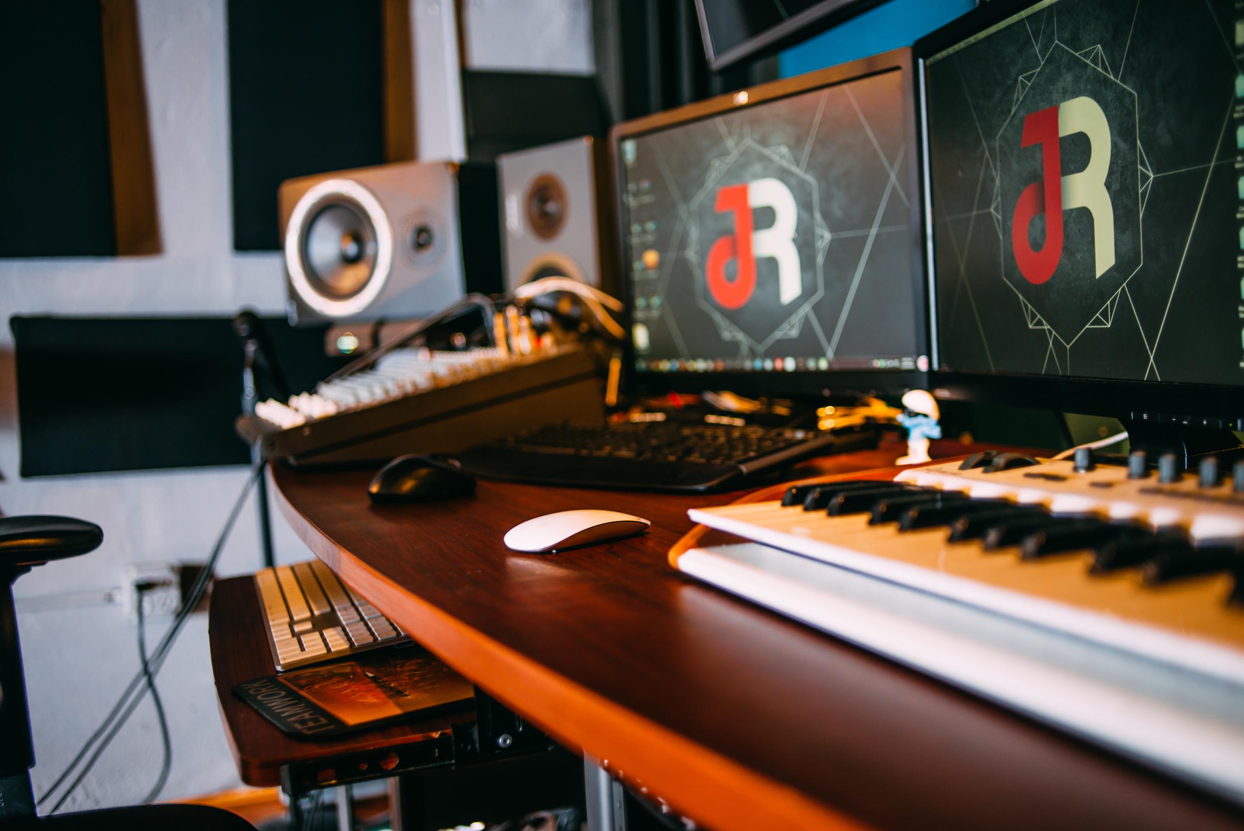 Jah rockn studio (1 of 1)-13.jpg