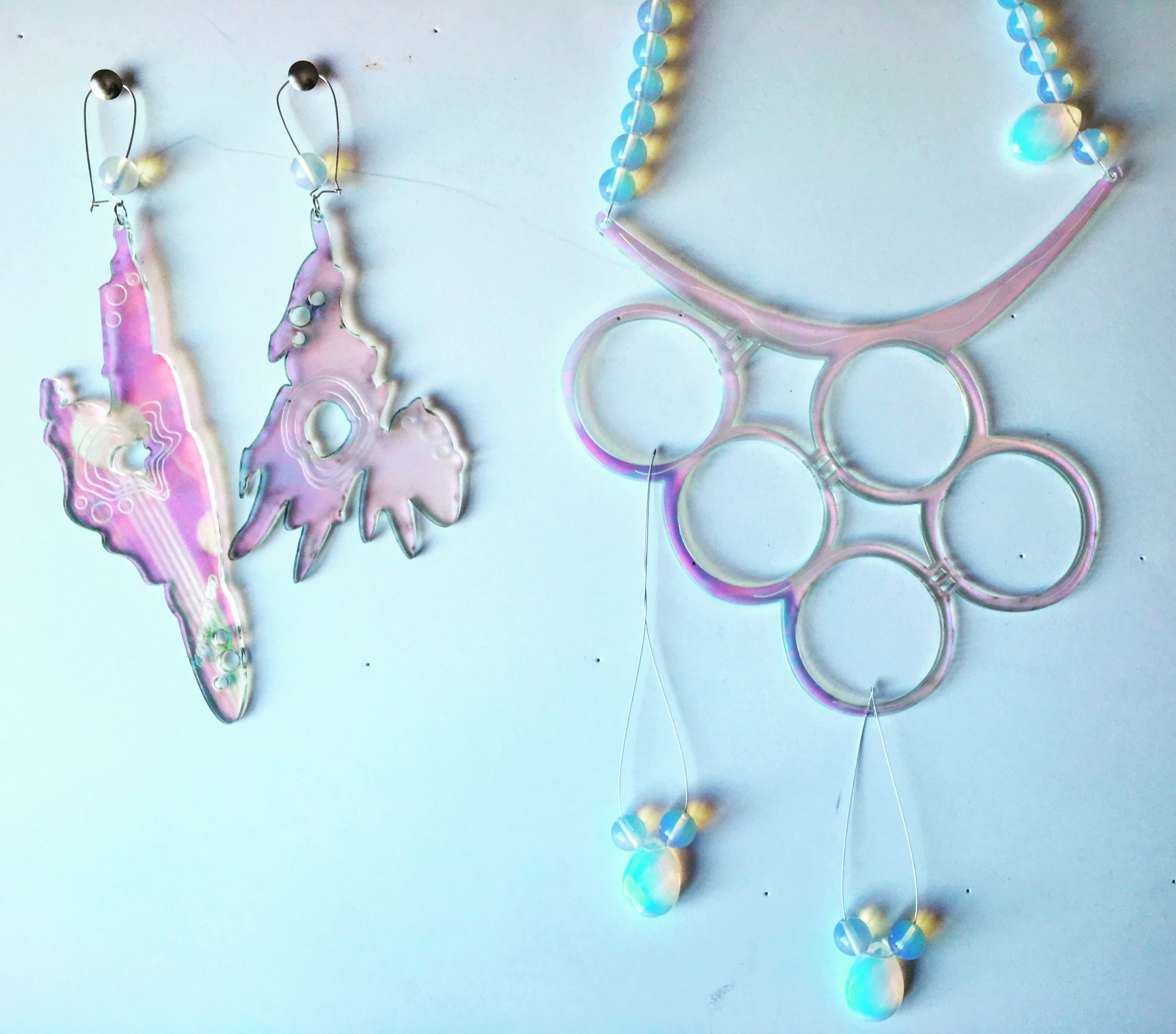 A VIBRANT END Earrings & Necklace made of iridescent acrylic, moonstone, and sterling silver