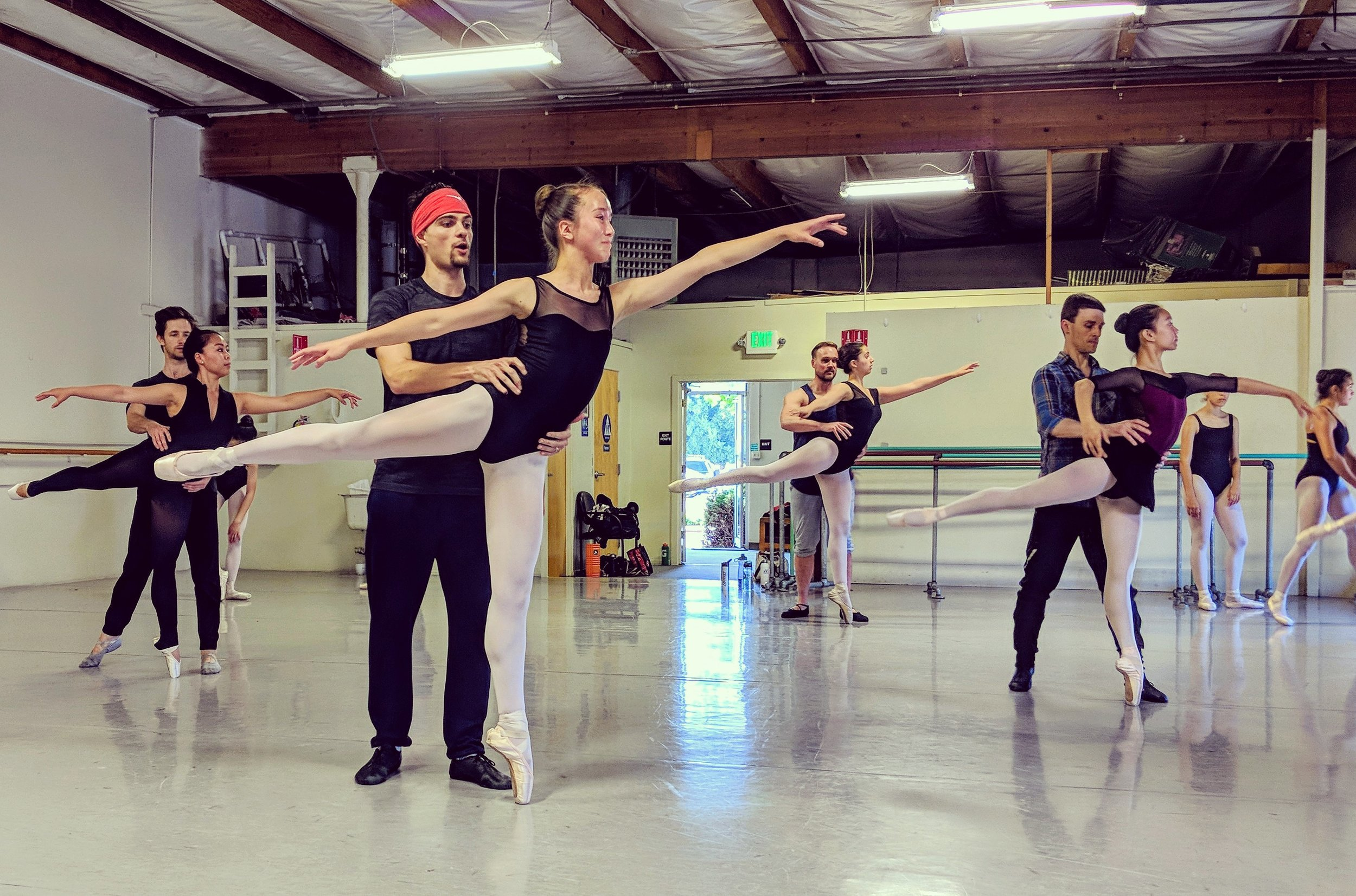 among others raymond tilton and peter hershey were our guest teachers at our Summer intensives 2018.
