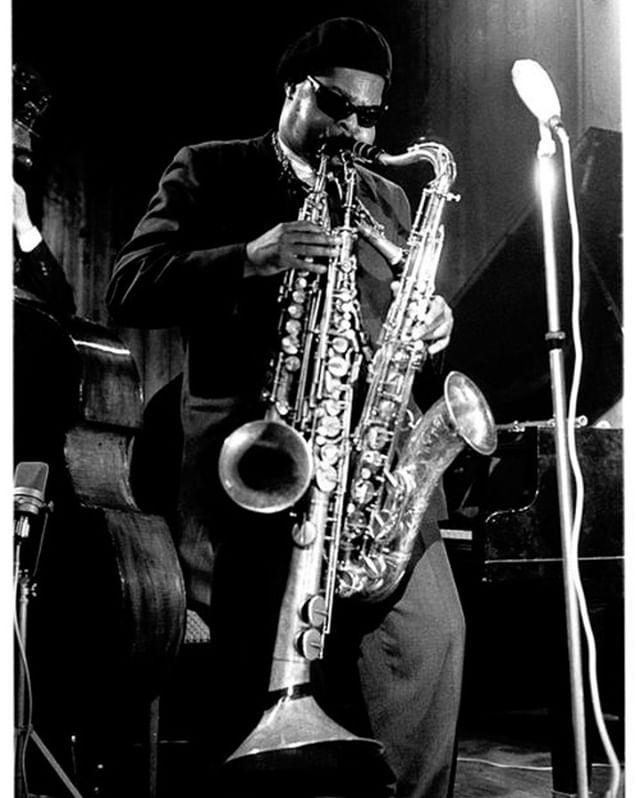 Throughout time, emissaries of the 12th planet have visited, guiding us through the metaphysical quagmire of human existence; Rahsaan Roland Kirk, grand marque of the Vibration Society⠀⠀⠀⠀⠀⠀⠀⠀⠀ -⠀⠀⠀⠀⠀⠀⠀⠀⠀ -⠀⠀⠀⠀⠀⠀⠀⠀⠀ -⠀⠀⠀⠀⠀⠀⠀⠀⠀ -⠀⠀⠀⠀⠀⠀⠀⠀⠀ -⠀⠀⠀⠀⠀⠀⠀⠀⠀ -⠀⠀⠀⠀⠀⠀⠀⠀⠀ - ⠀⠀⠀⠀⠀⠀⠀⠀⠀ #brass #brassband #trumpet #tuba #saxophone #sax #brassinstruments #brassmusic #horns #horn #rolandkirk #rahsaanrolandkirk #weirdinstruments #hybridmusic #experimentalmusic #soundobject #triplethreat #saxophones #experimentalmusic #experimentalinstrument #experimentalinstruments