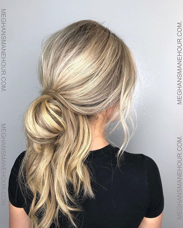 """💁♀️ by @meghansmanehour to schedule an appointment with Meghan click the """"Book"""" link located in bio ✨✨✨ . . . #throwbackthursday #undone #updo #hair #stylist #blonde #highlights #blonde #tbt #meghansmanehour #hairtutorial #lesson #southaustin #78704 #austinhair #austinhairstylist #repost #kevinmurphy #blondehair"""