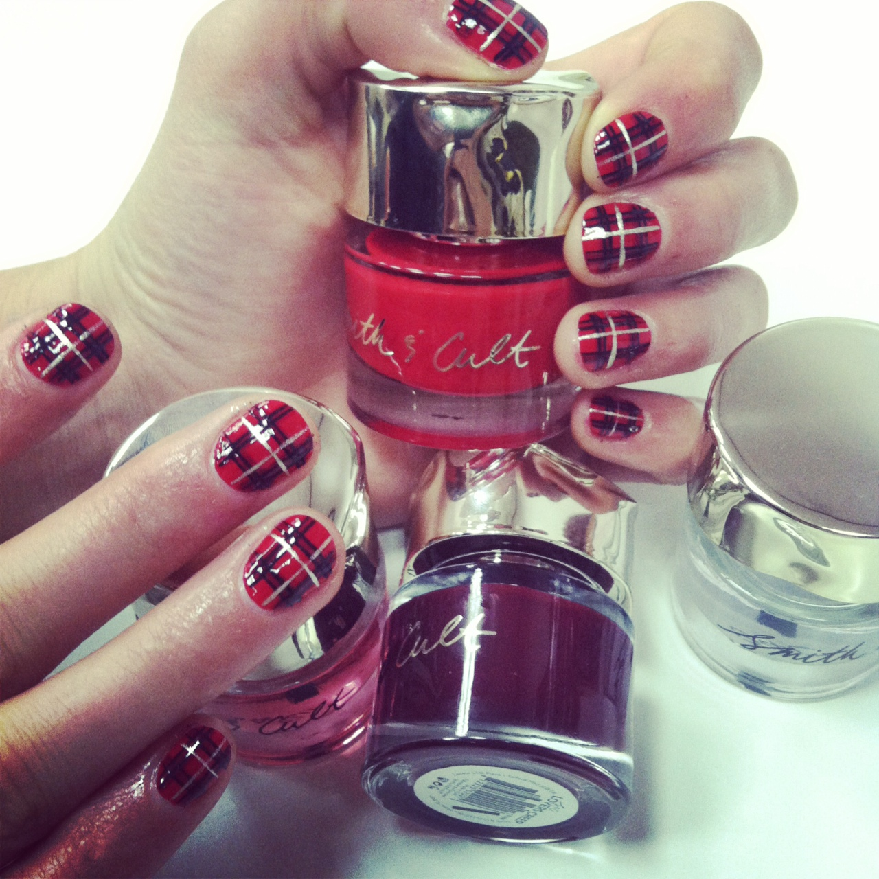 This holiday nail art is easier to achieve than it looks!