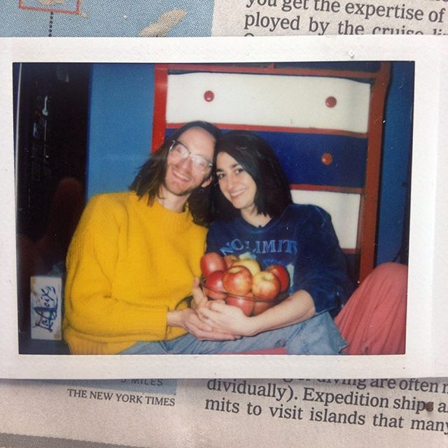 ⚠️ WARNING COUPLE CONTENT AHEAD ⚠️ 10 years of friendship, 8 years of music collabs, 4 years of marriage. What's the secret of our enduring friendship? TBH none of this would have worked out if you didn't let me pluck your dark nipple hairs. And sometimes use ur sock as a pad? Also kindness and understanding etc etc BOR-ING Love ya @peachdudeman and love them apple babies CRUNCH 🍎shoutout to Zoe's dad for the photo