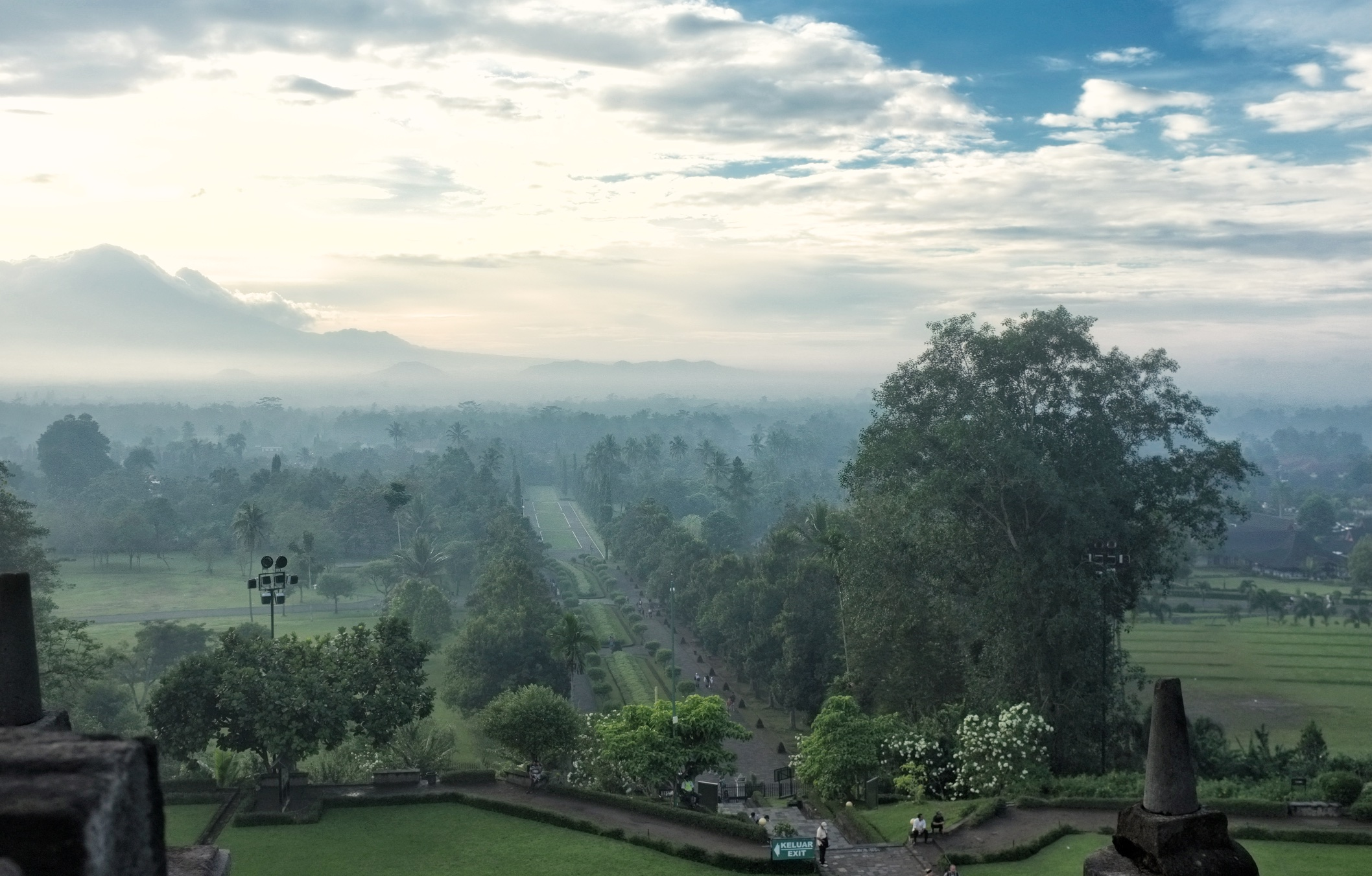 Morning from the top of Candi Borobudur | © Chavelli Tsui www.chavelli.com