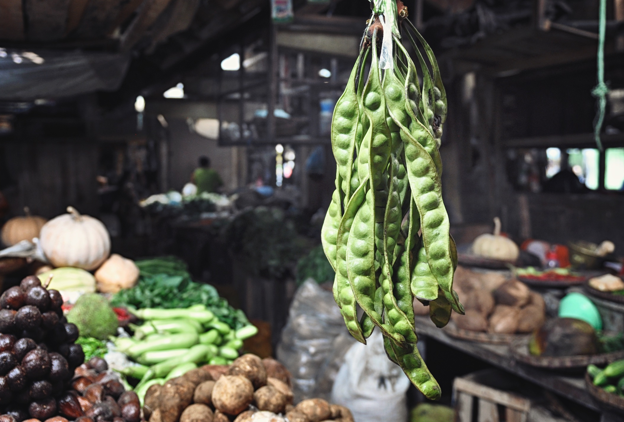 Hanging beans at Borobudur Market in Central Java, Indonesia| © Chavelli Tsui www.chavelli.com