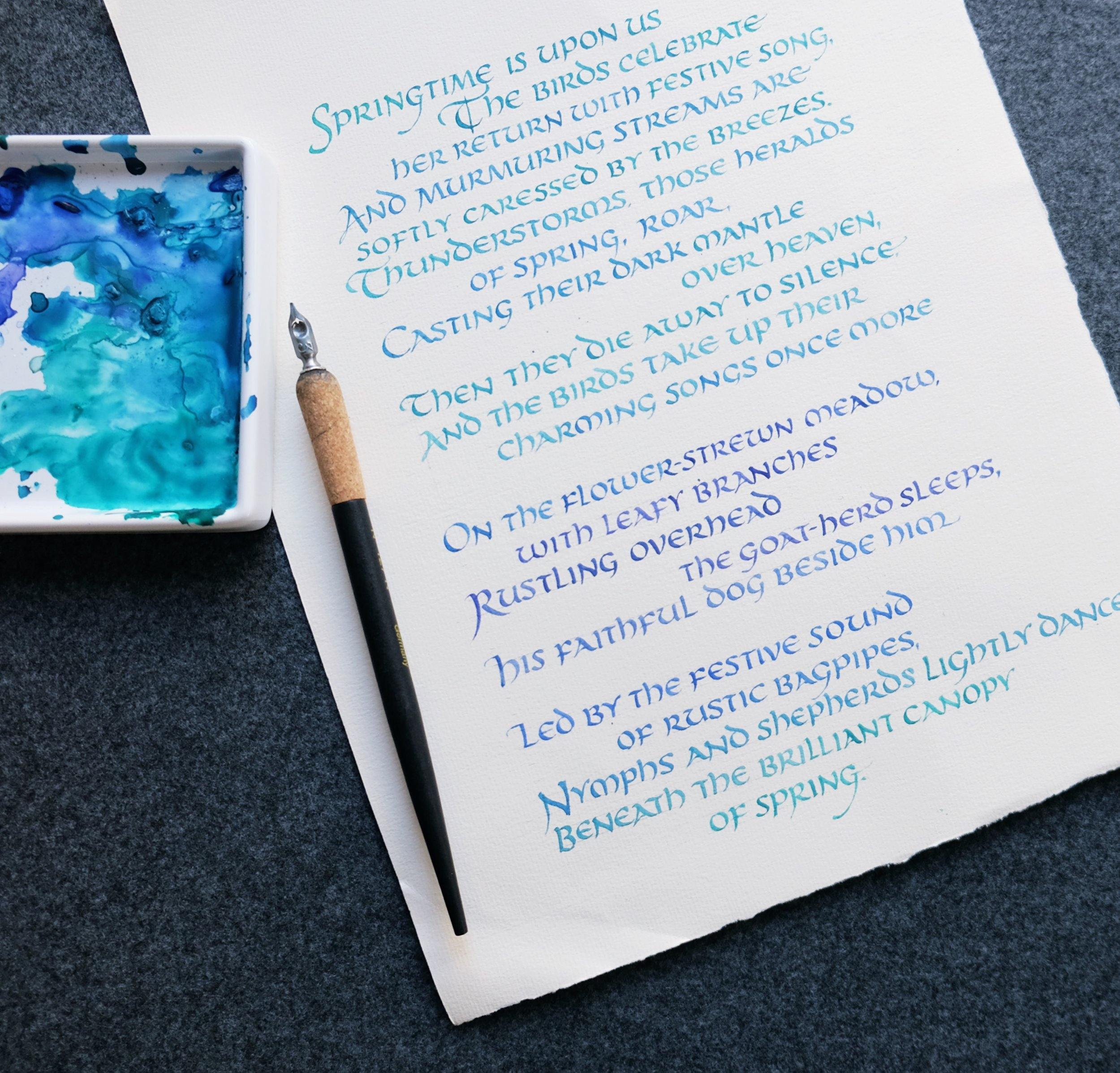 Poetry written in ombre calligraphy // by www.chavelli.com
