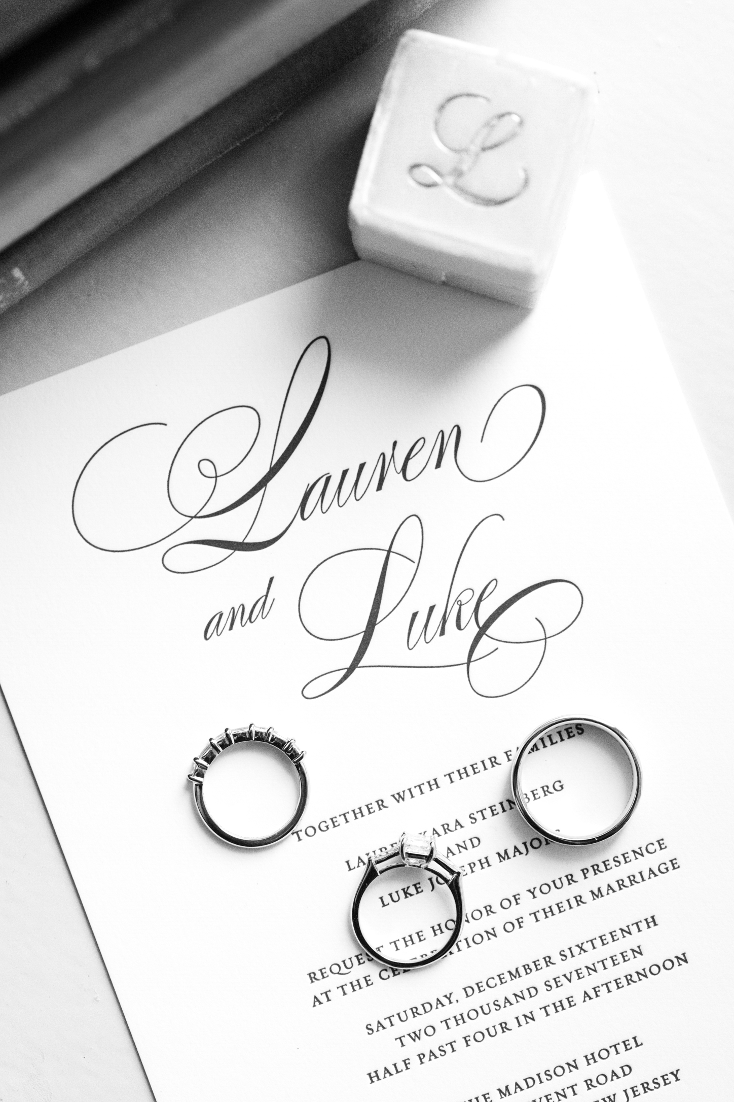 Black and white letterpress printed wedding invitations | www.chavelli.com