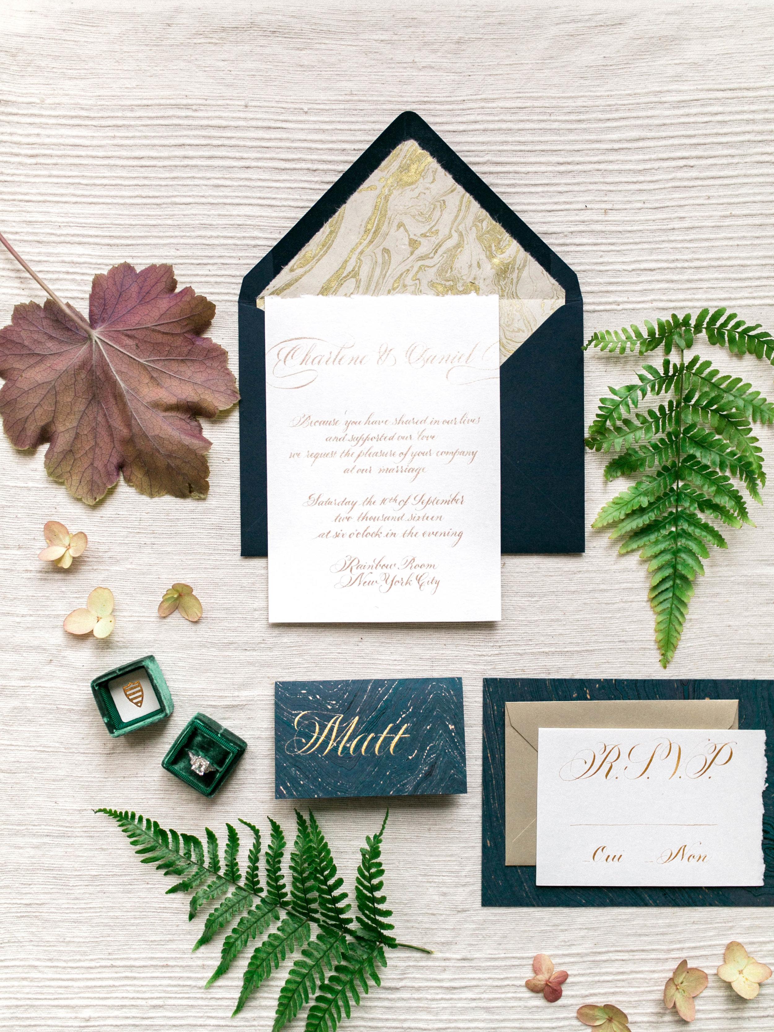Calligraphy wedding invitation suite | www.chavelli.com