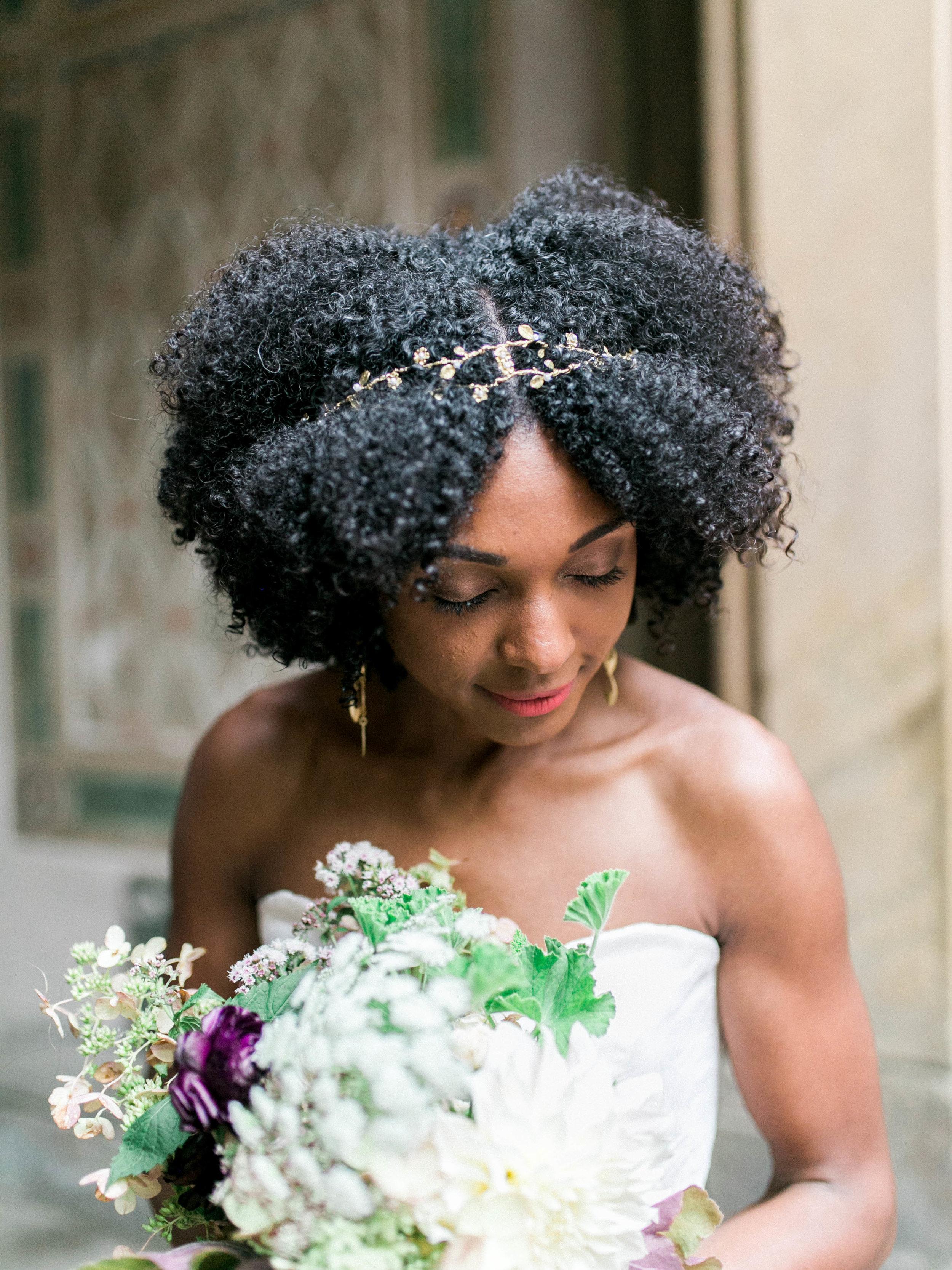 Bridal floral inspiration | www.chavelli.com