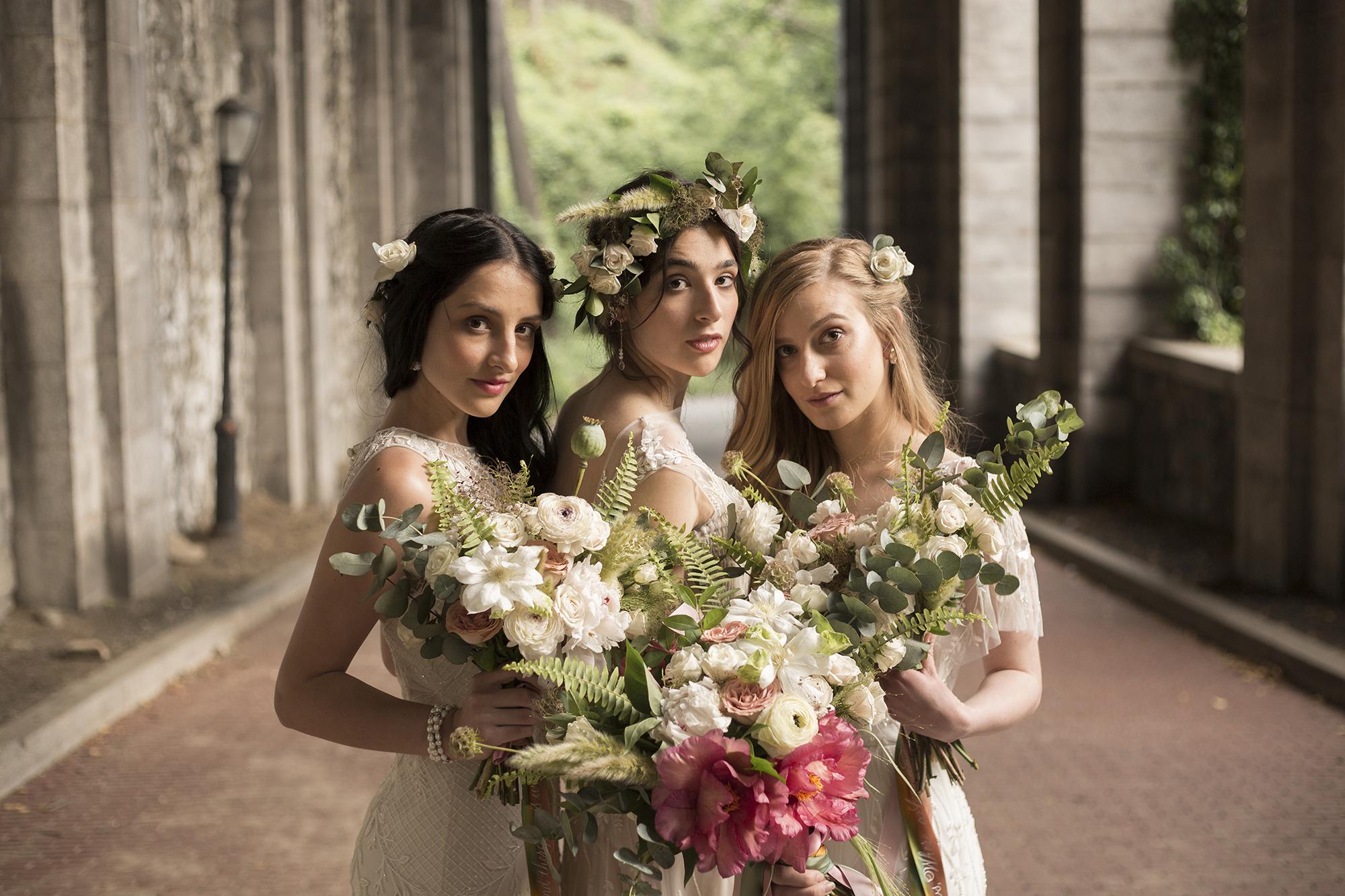 Midsummer Night's Dream themed wedding editorial shoot | www.chavelli.com