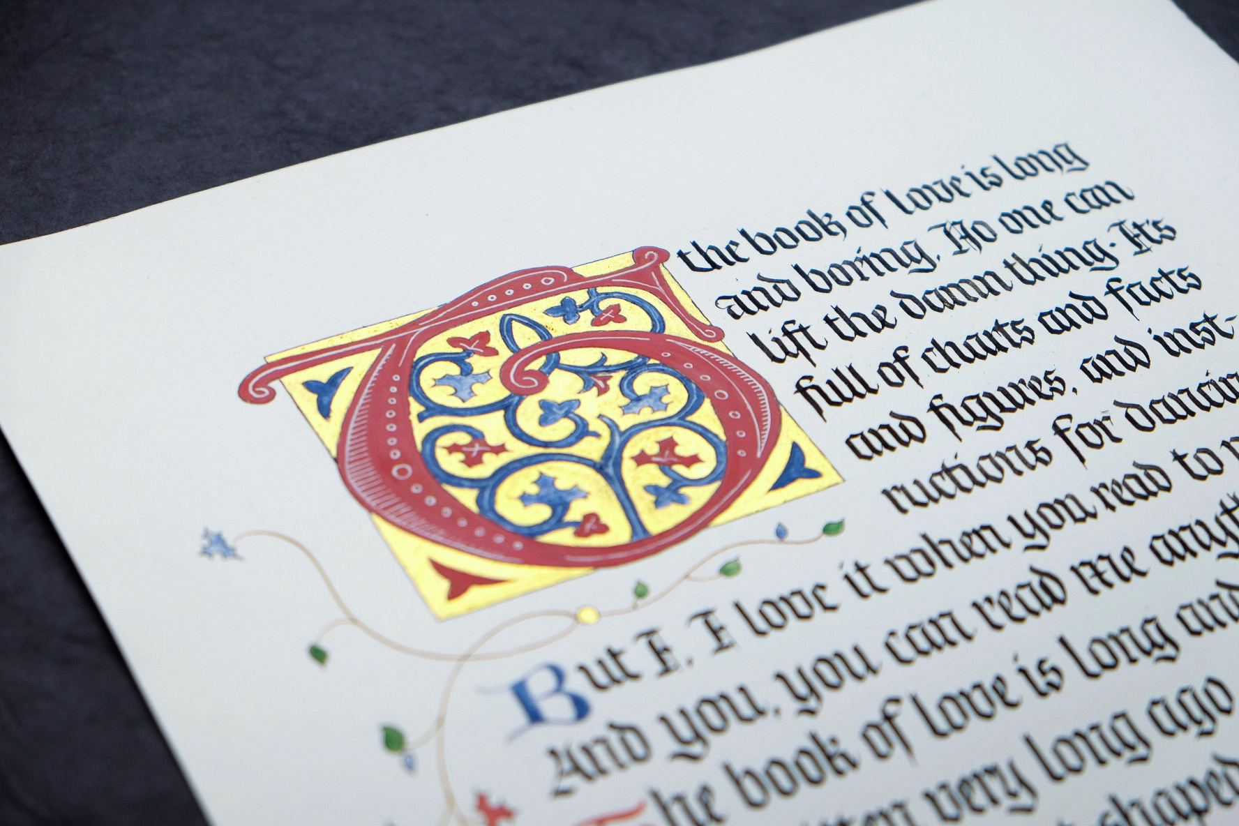 Blackletter manuscript song lyrics with a decorated letter | by www.chavelli.com