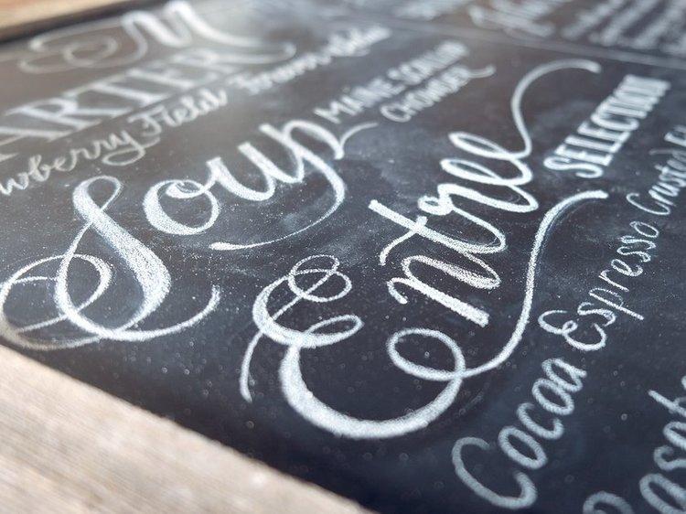 Chalkboard wedding menu   by www.chavelli.com
