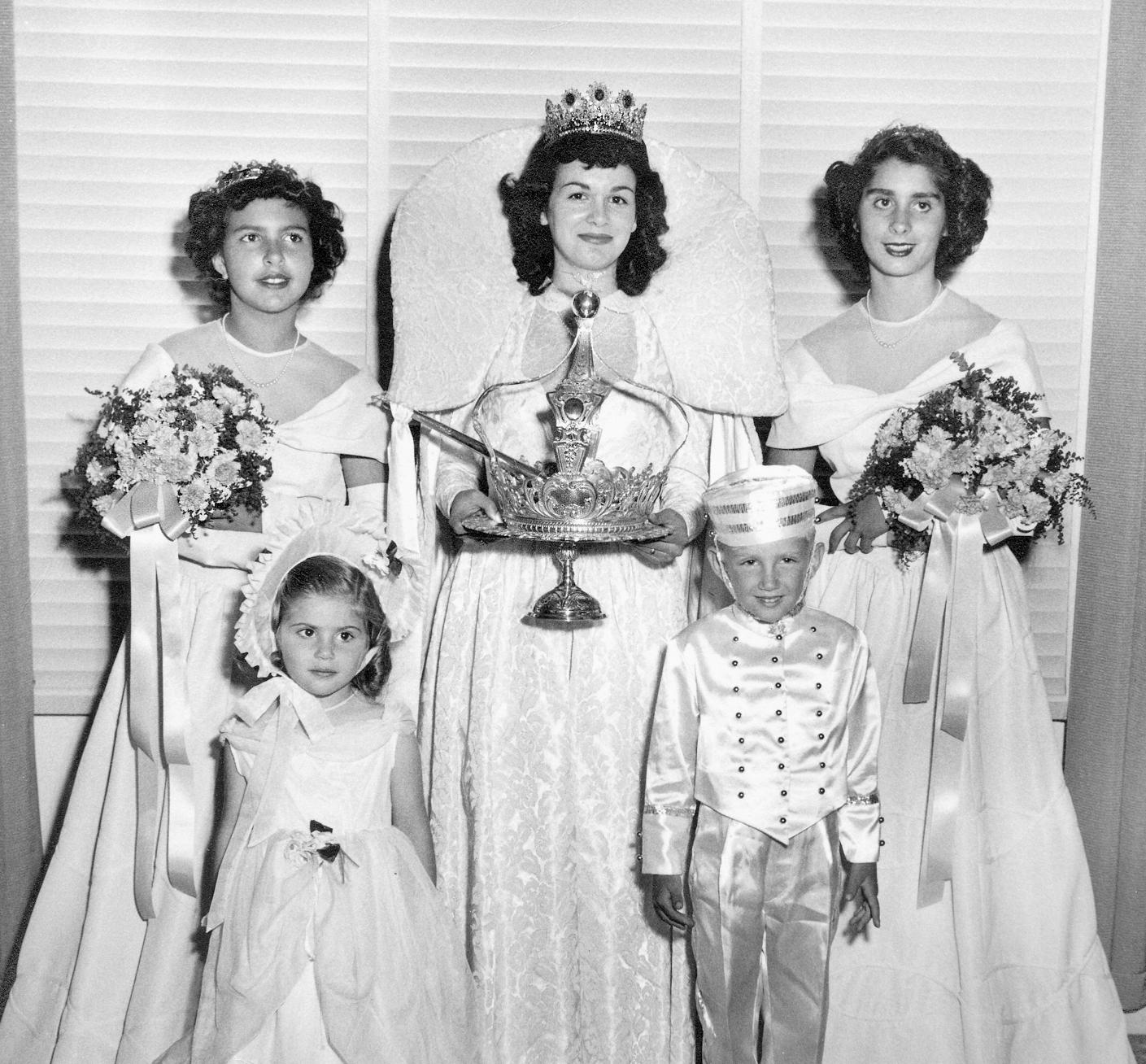 1949 Festival Queen   - Antoinette Pimentel-Cordeniz   Sidemaids - Margaret Nunes-Dahl & Arlene Silva-Abbott