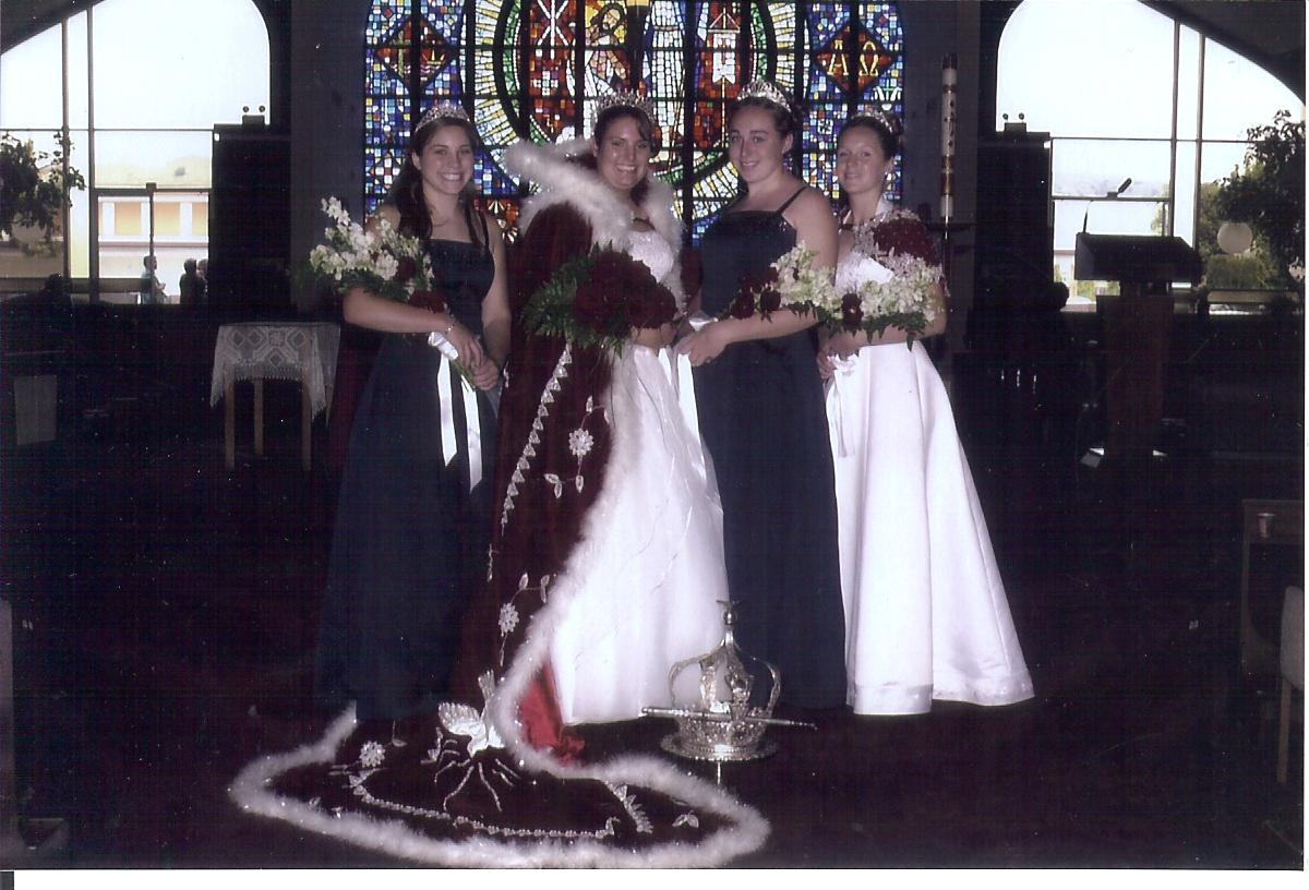 2005 Festival Queen -  Sarina Sigmon    Sidemaids - Danielle Goularte & Courtney Fine