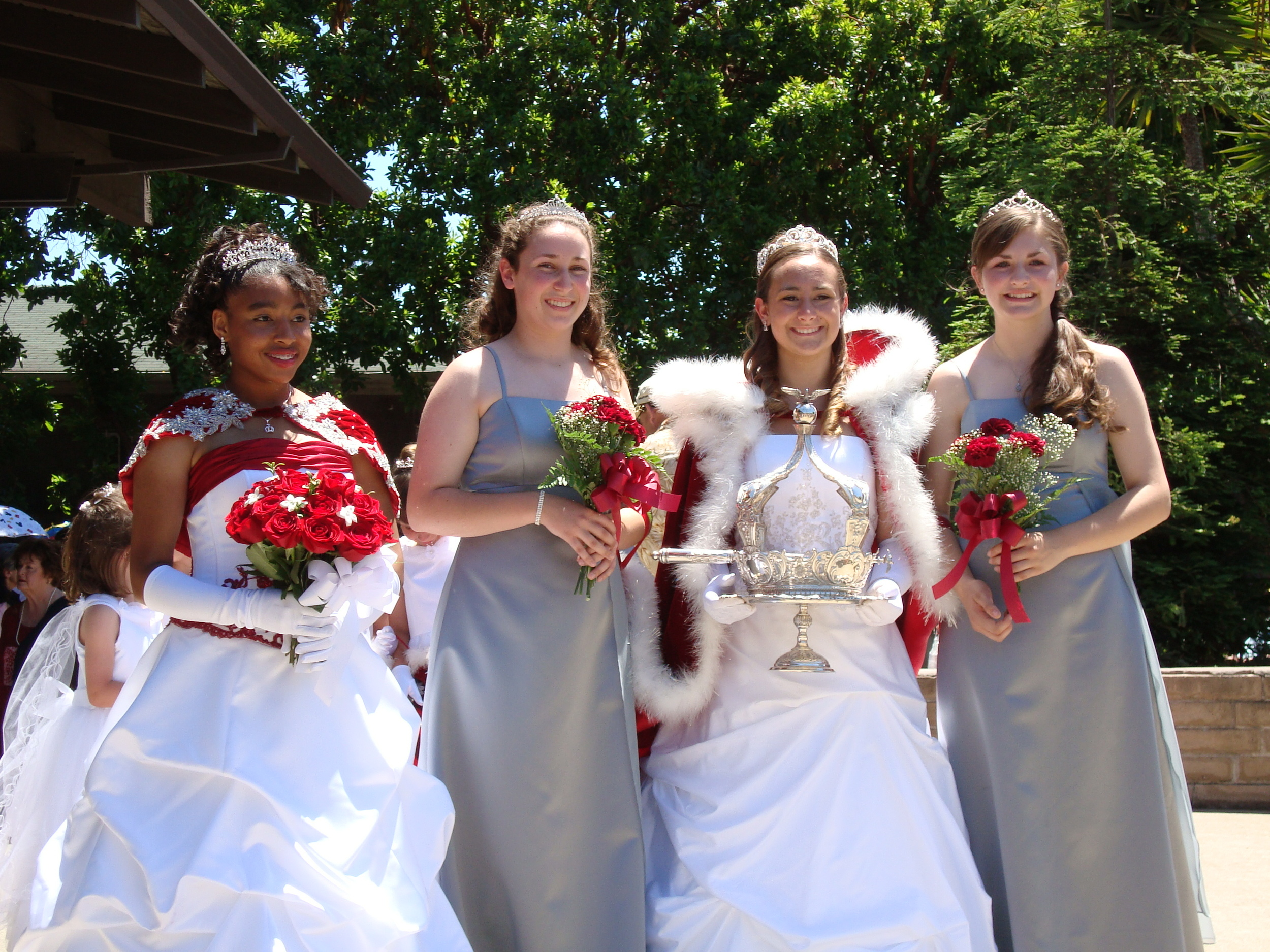 2008 Festival Queen -  Kimberly Dutrow    Sidemaids - Molly Zamora & Amy Moore -Honor Maid - Natalie Bright